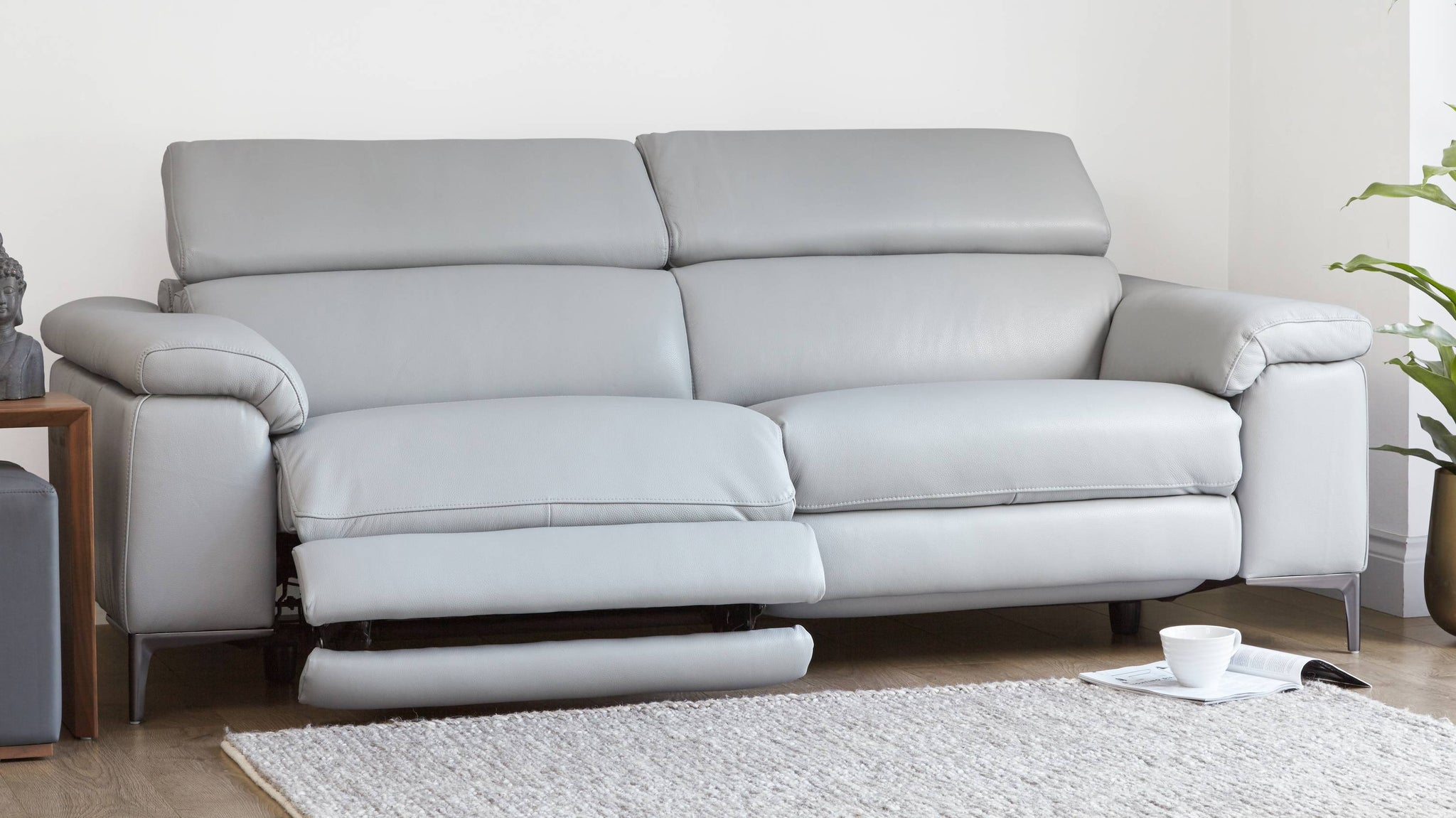 Reclining sofa with multiple angles