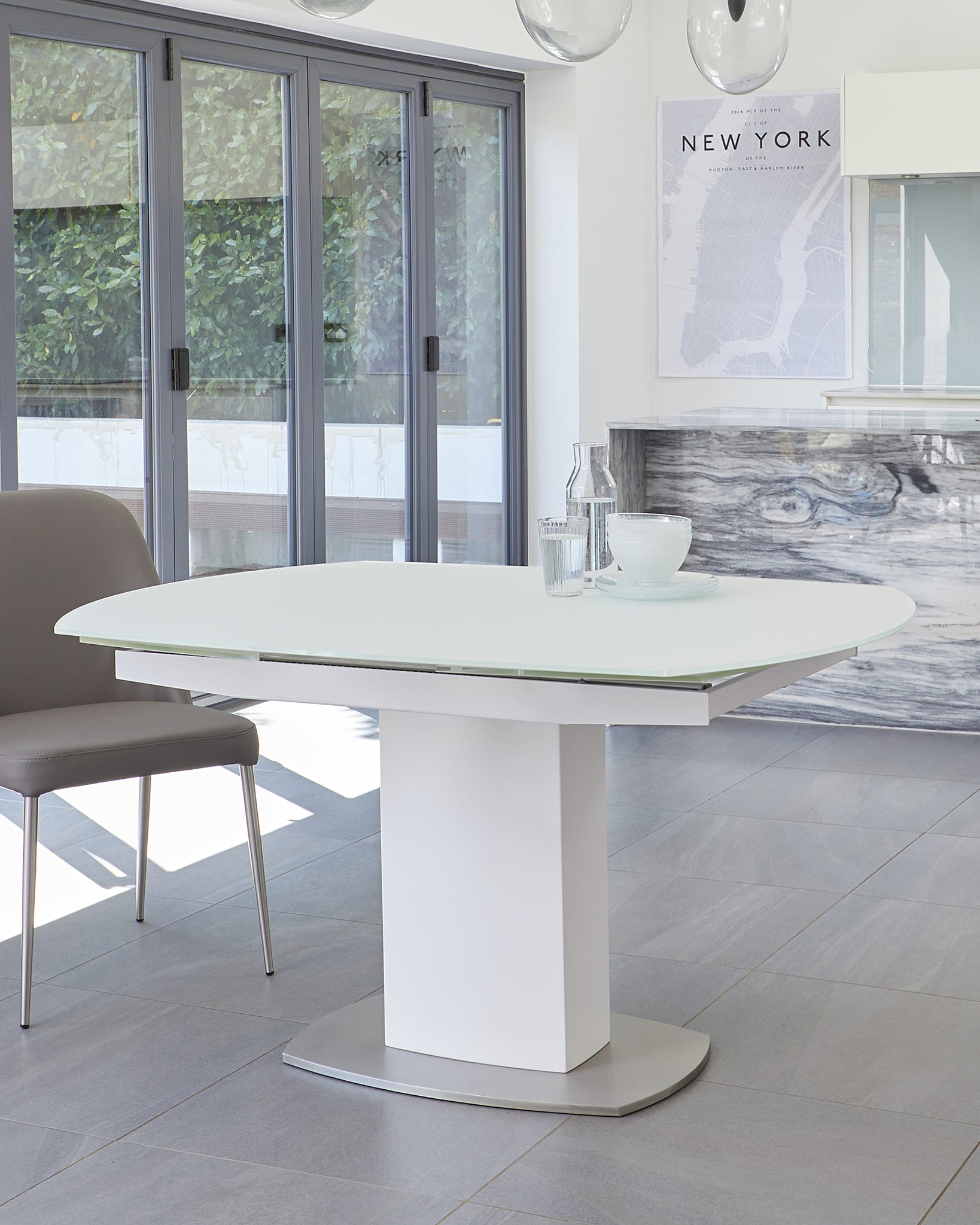 Camillo White Extending Table With Bay Velvet Dining Chairs