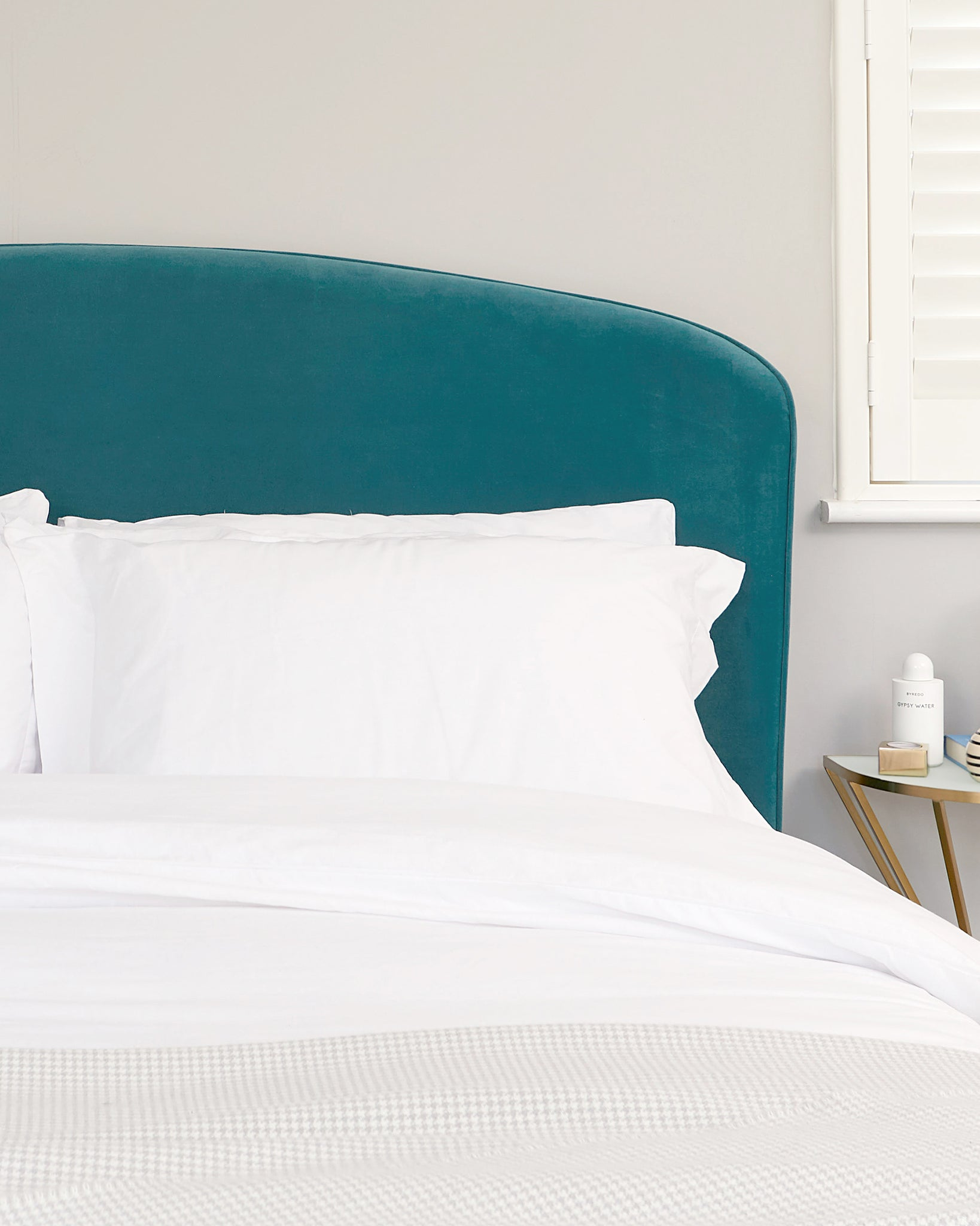 Carina Light Teal Velvet Super King Bed
