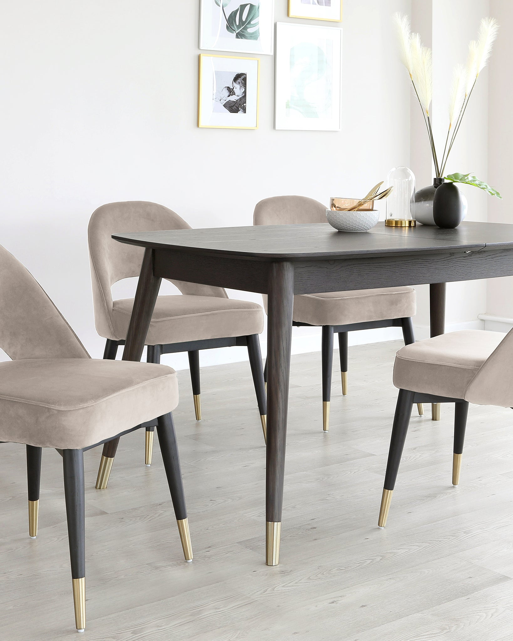 Clover Extending Dining Set With Champagne Velvet Chairs