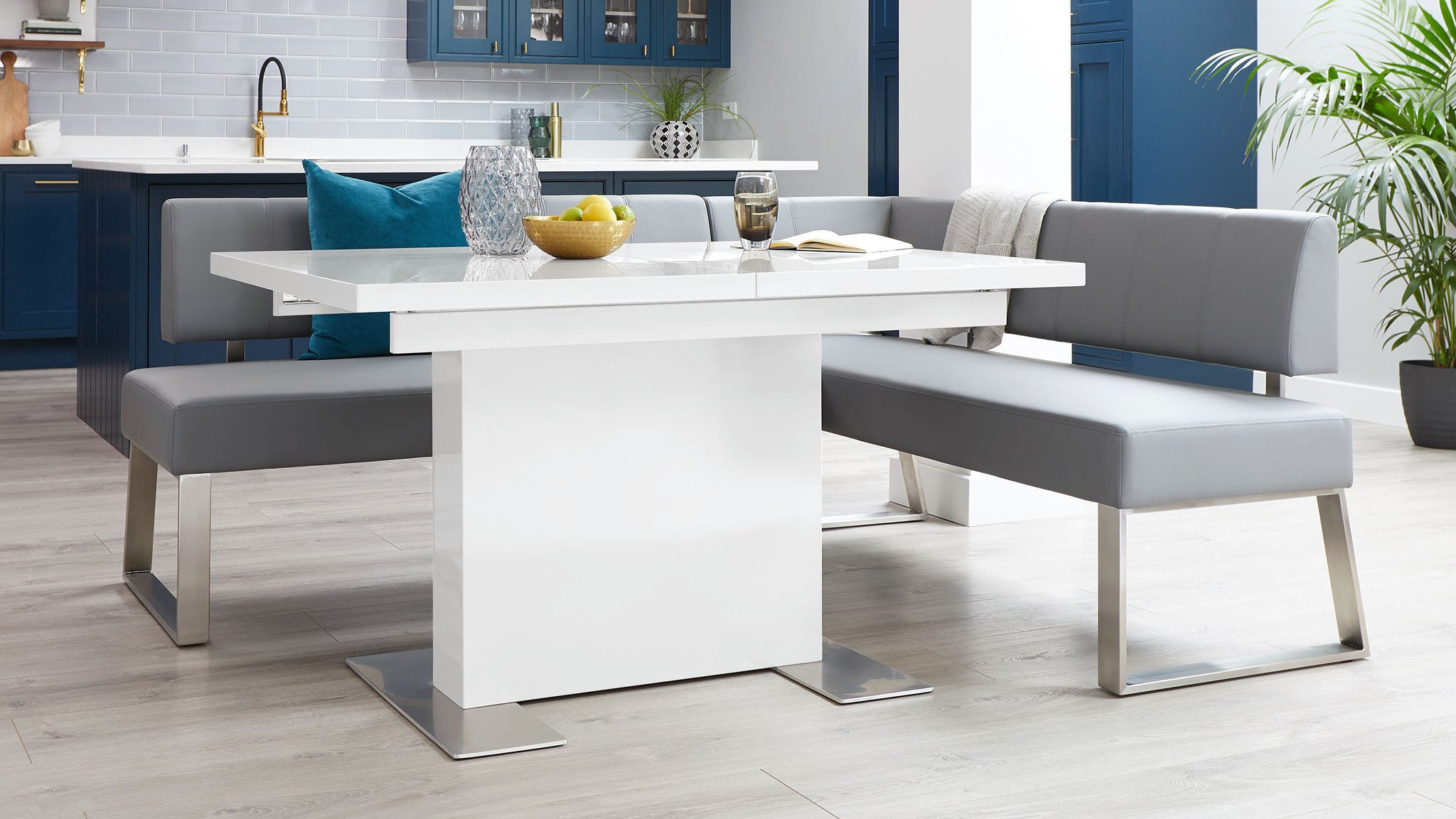 Sanza White Small Gloss Extending Dining Table