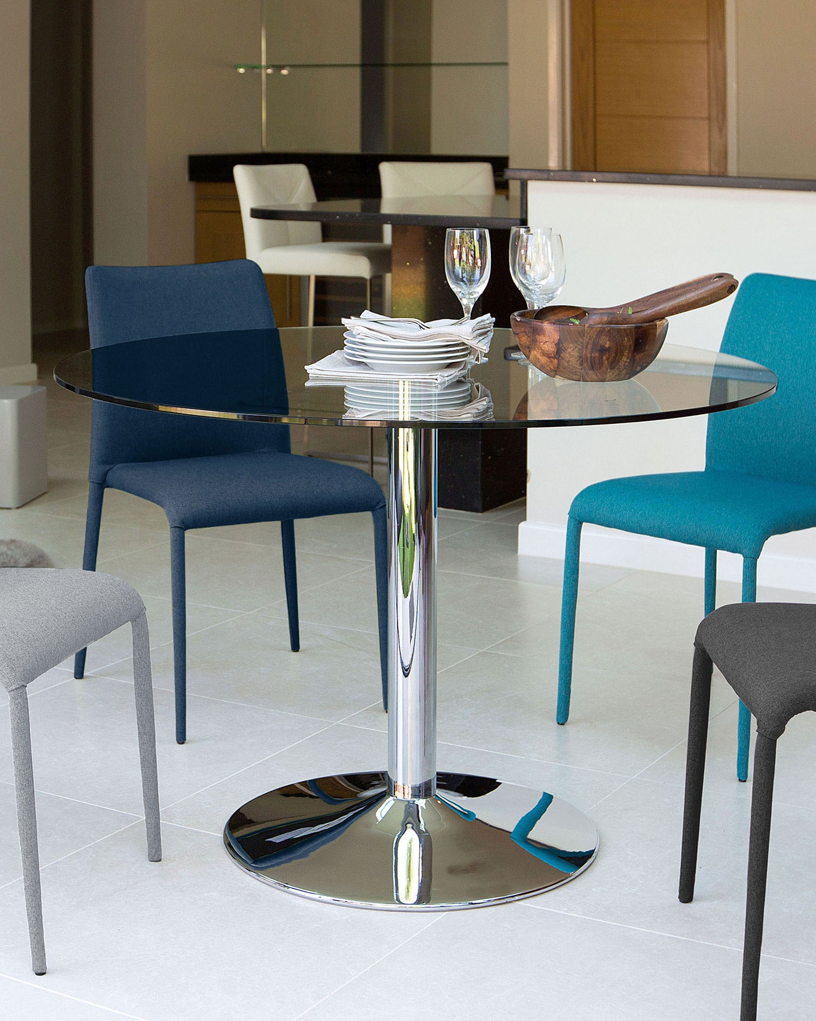 Naro Glass Round 4 Seater Table