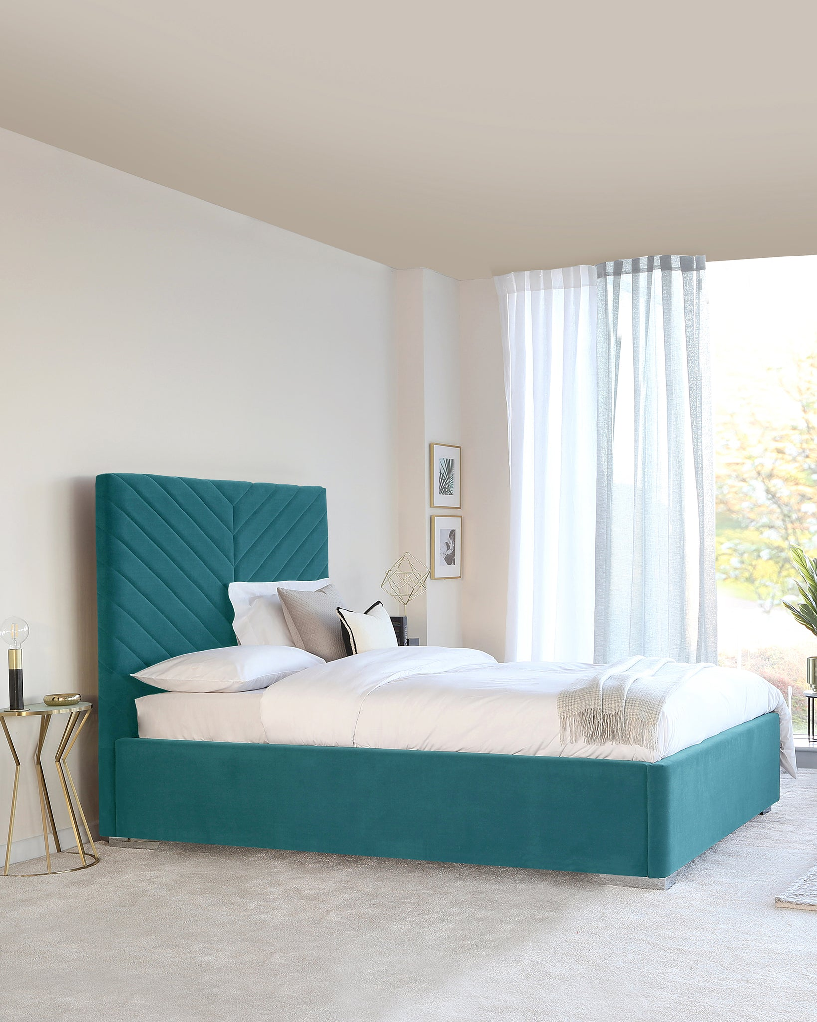 Leo Light Teal King Size Velvet Bed With Storage