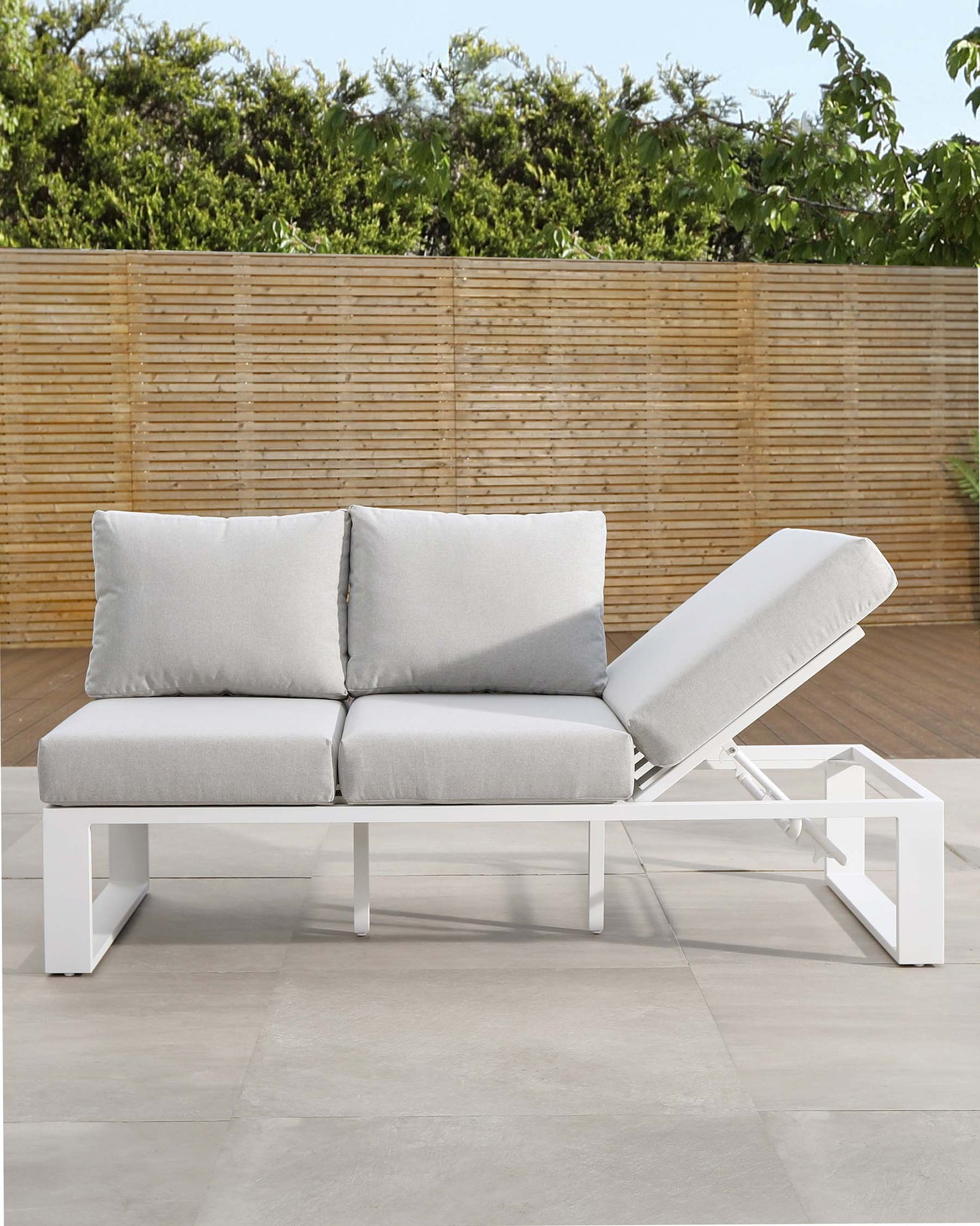 Savannah White Lift-up Garden Daybed