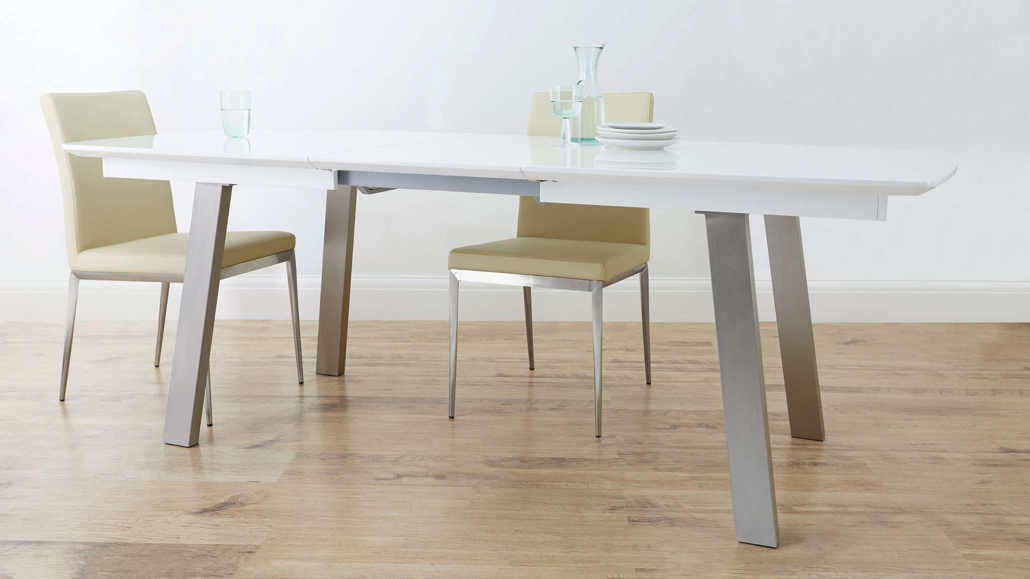 Assi White Gloss Extending Dining Table