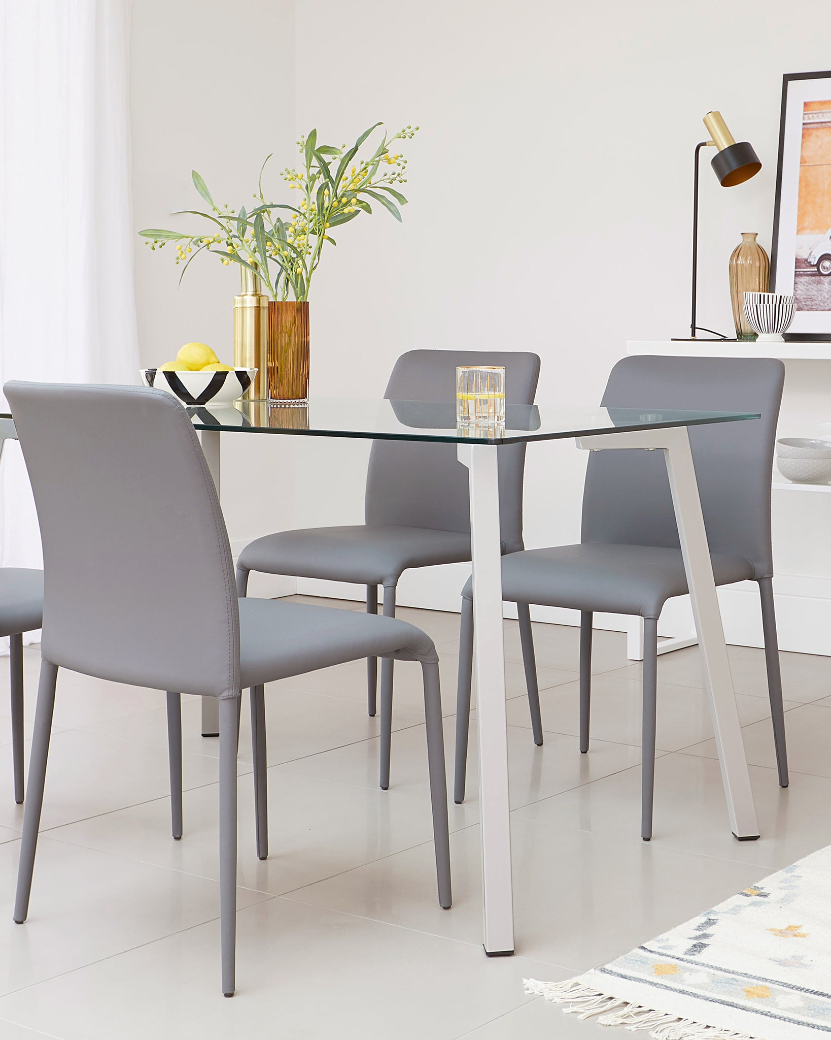Profile 4 to 6 Seater Glass Dining Table