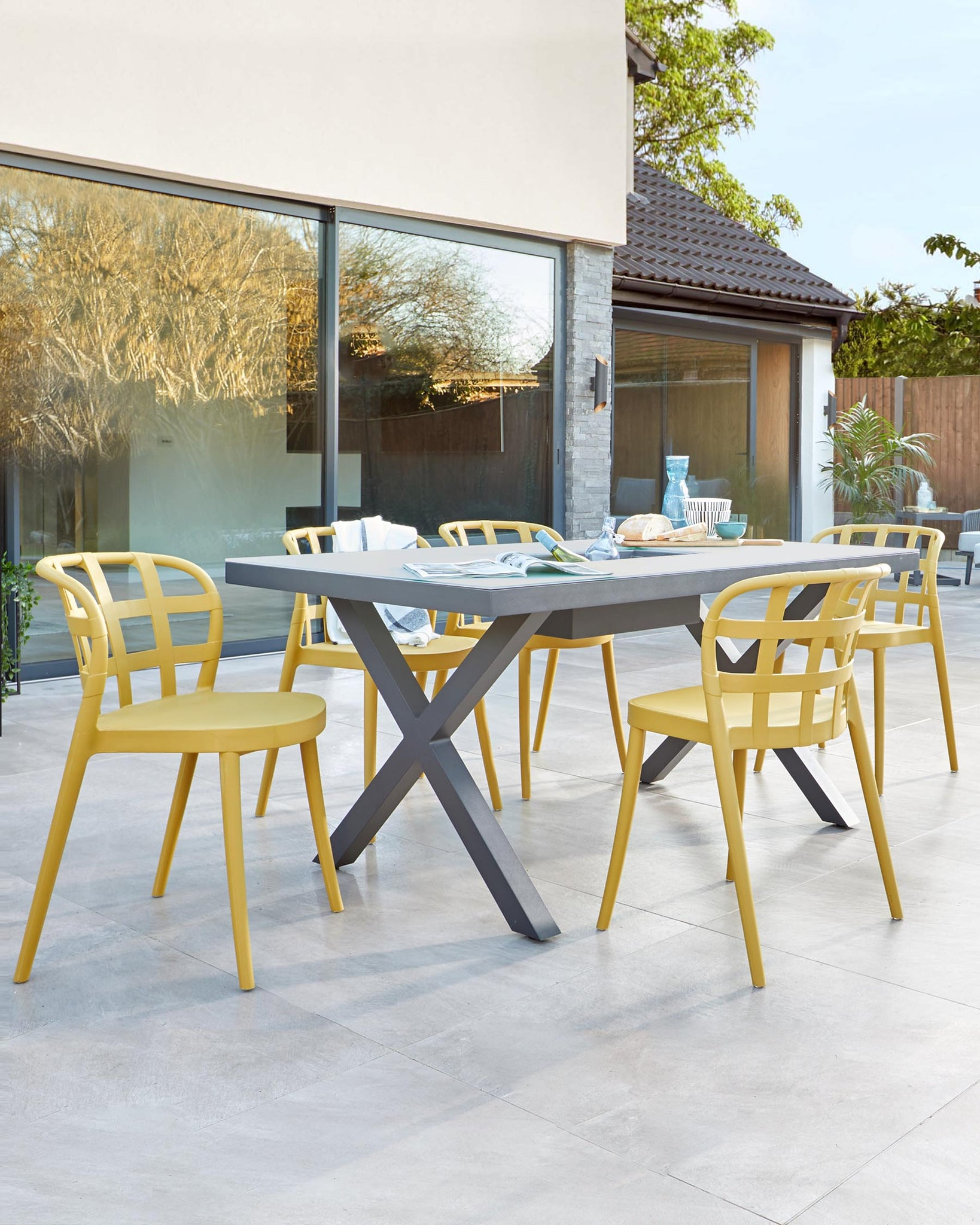 Rio Grey 4 to 6 Seater and Skye Outdoor Dining Set