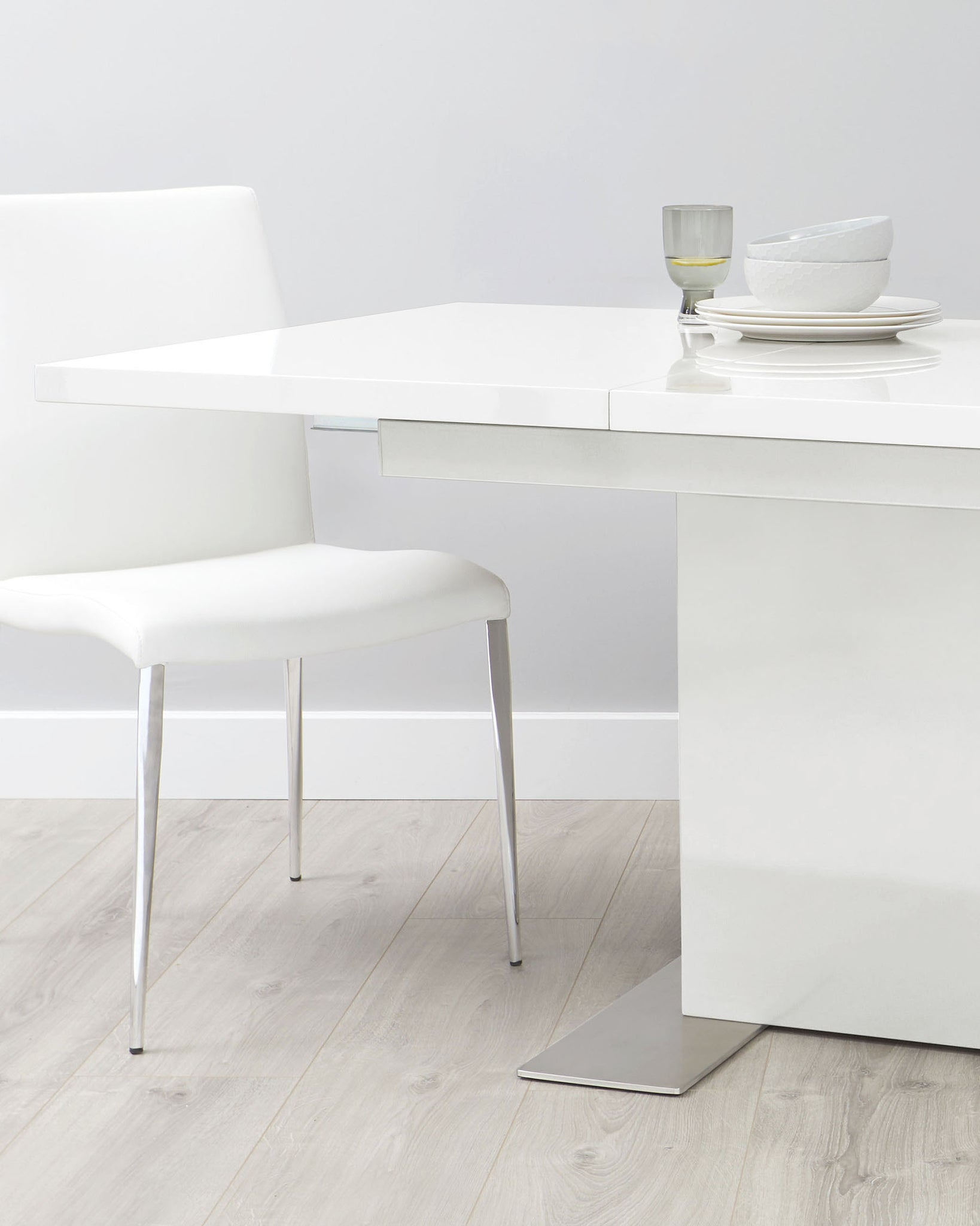 Sanza And Elise White Gloss Extending Dining Set