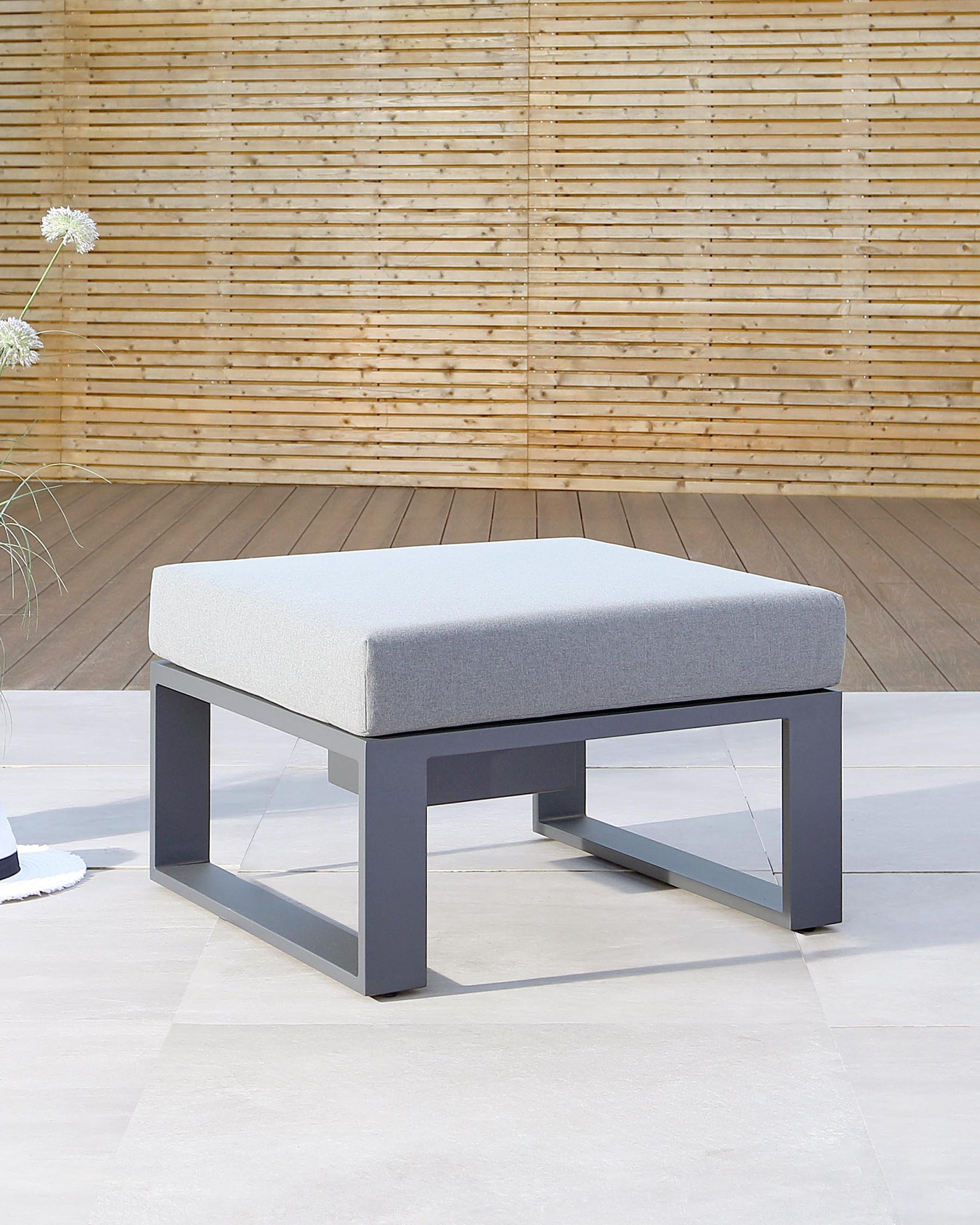 Savannah Grey Garden Coffee Table with Ice Bucket and Cushion
