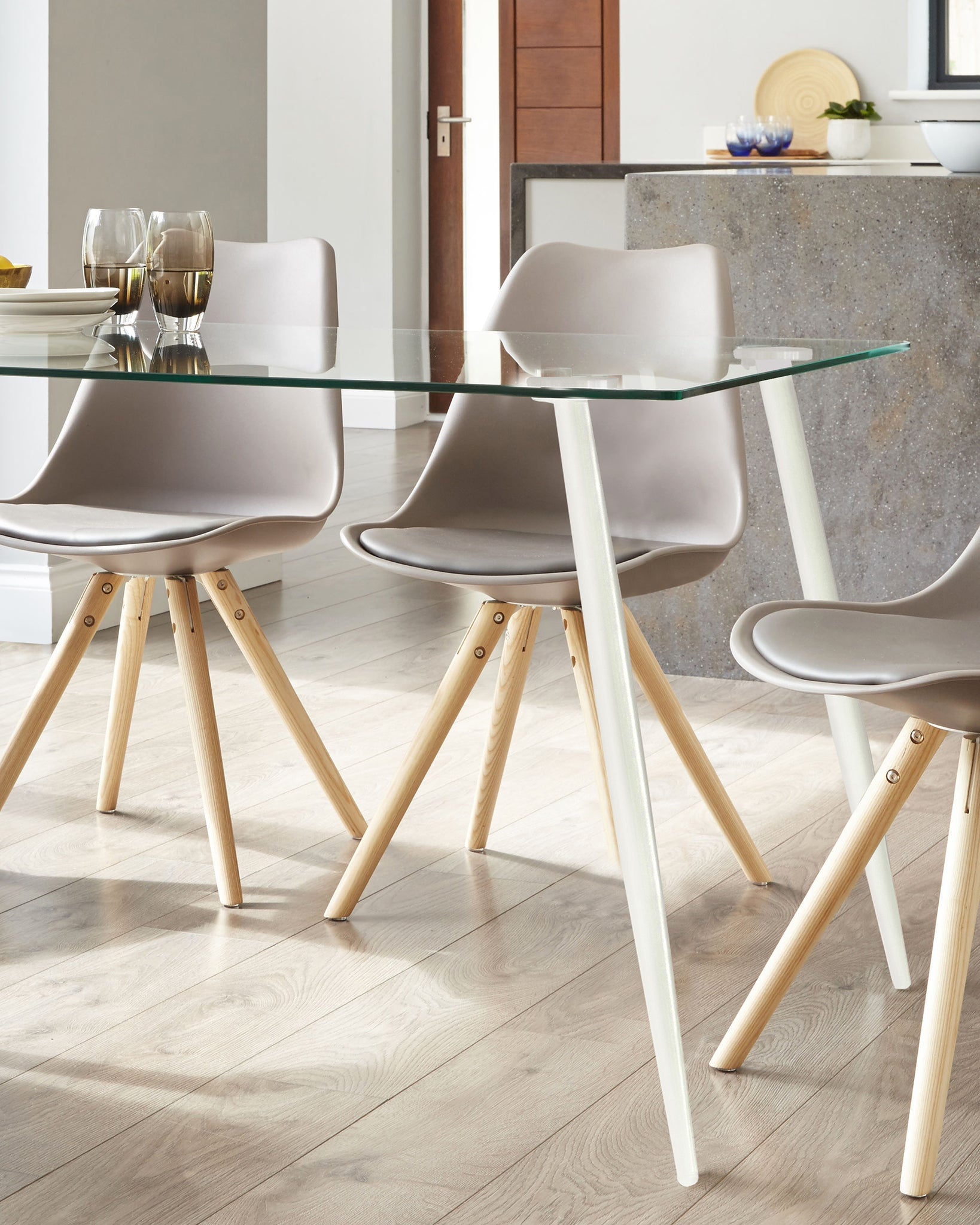 Zilo White And Glass 4 To 6 Seater Dining Table