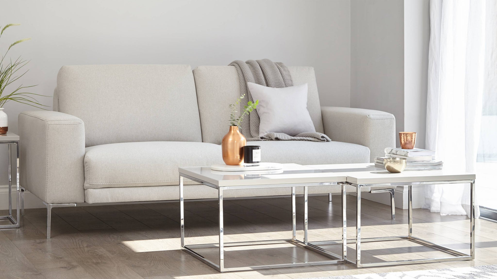 Square gloss coffee tables