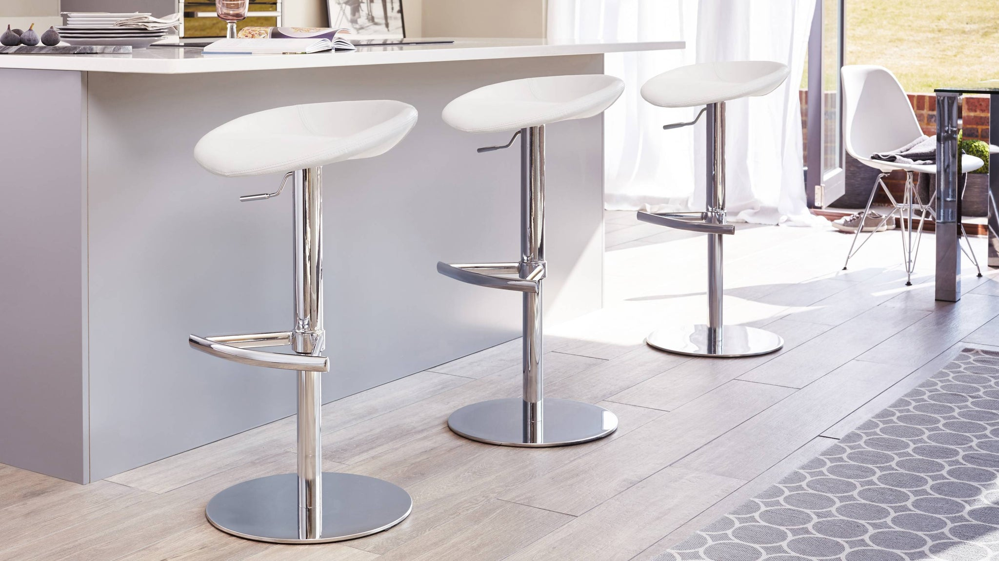 White Chrome Gas Lift Bar Stool
