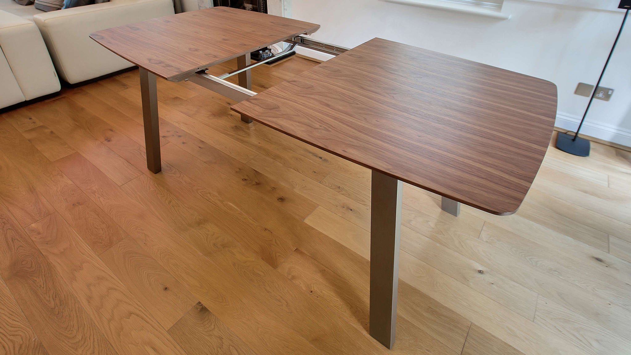 Simple Extending Wooden Dining Table