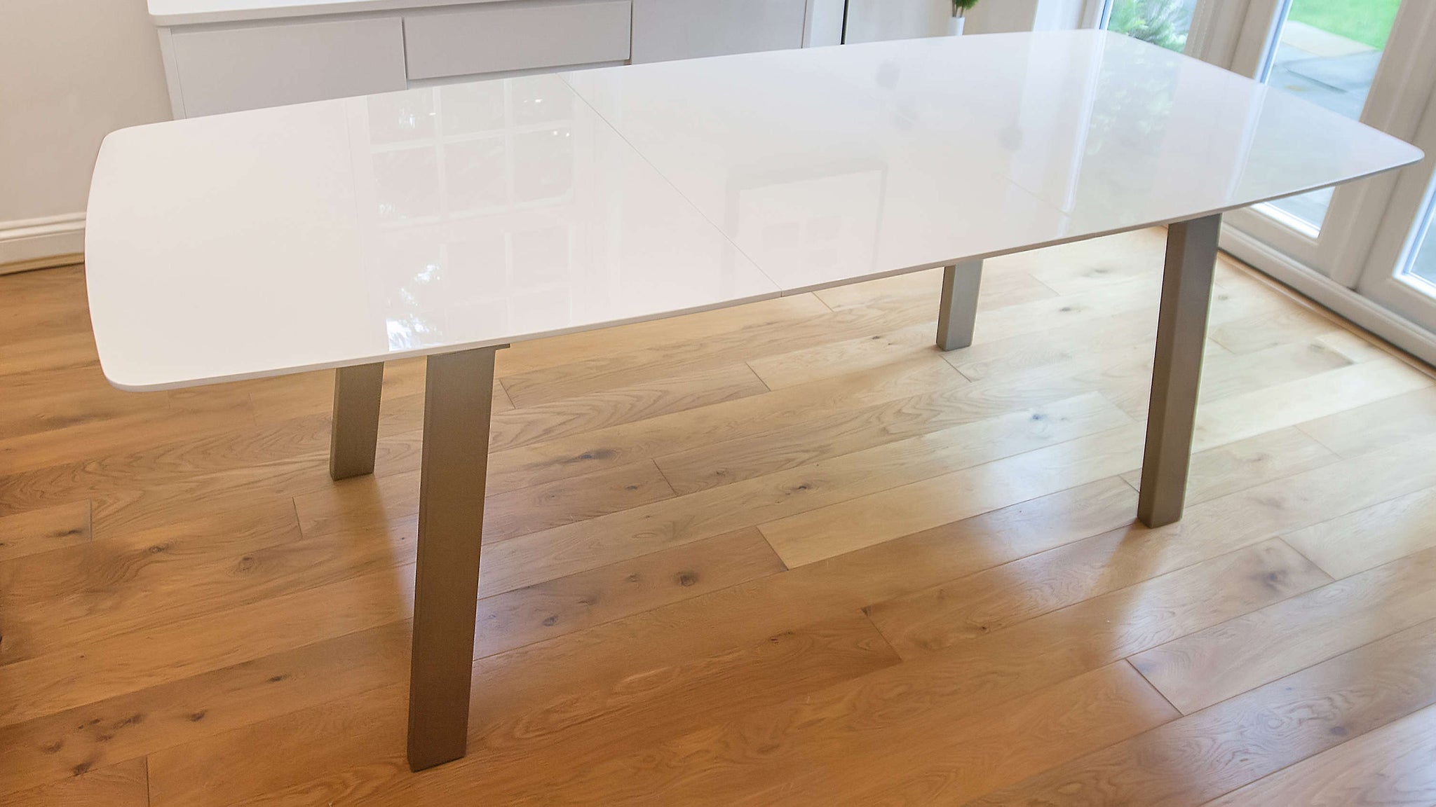 White High Gloss Extending Dining Table UK