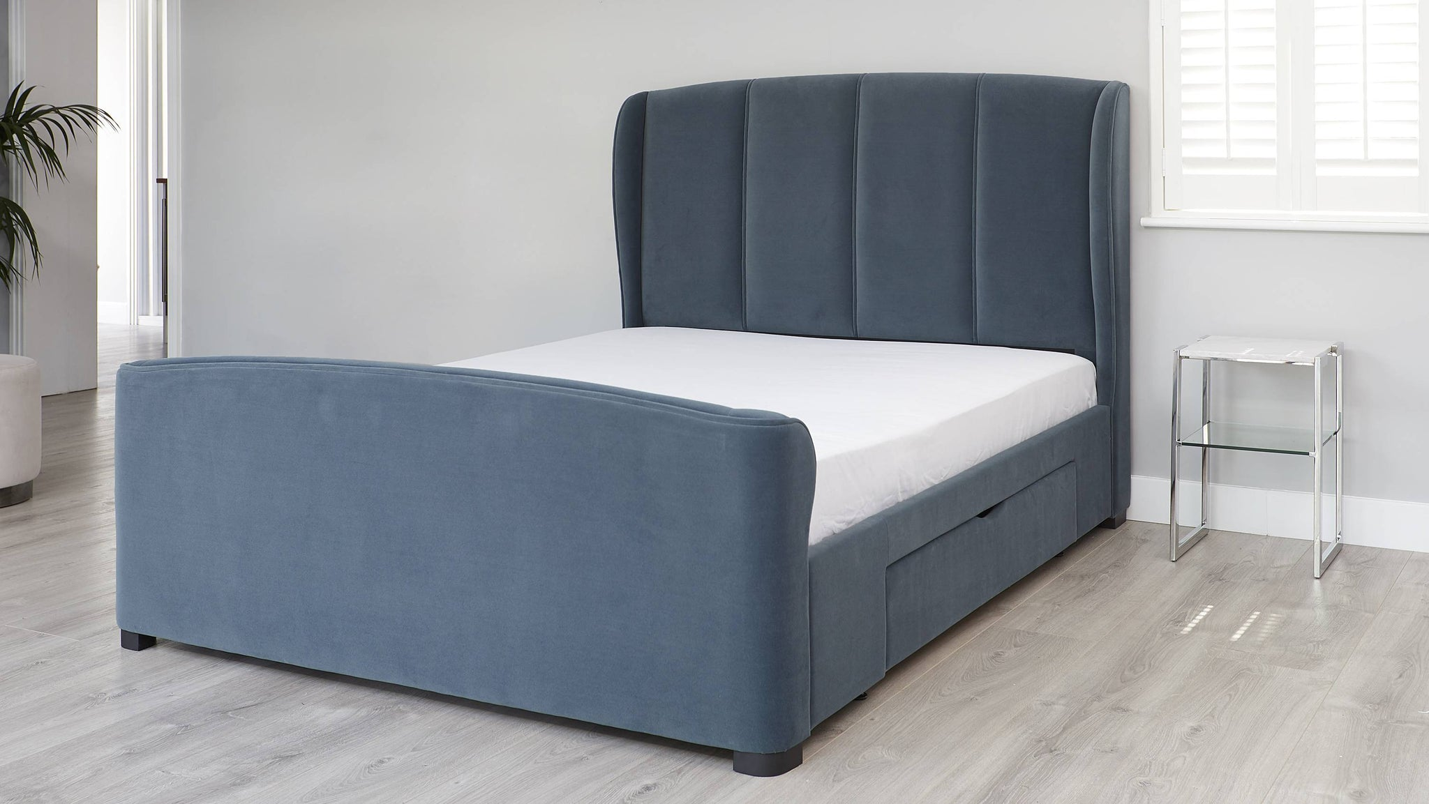 King size bed with drawers