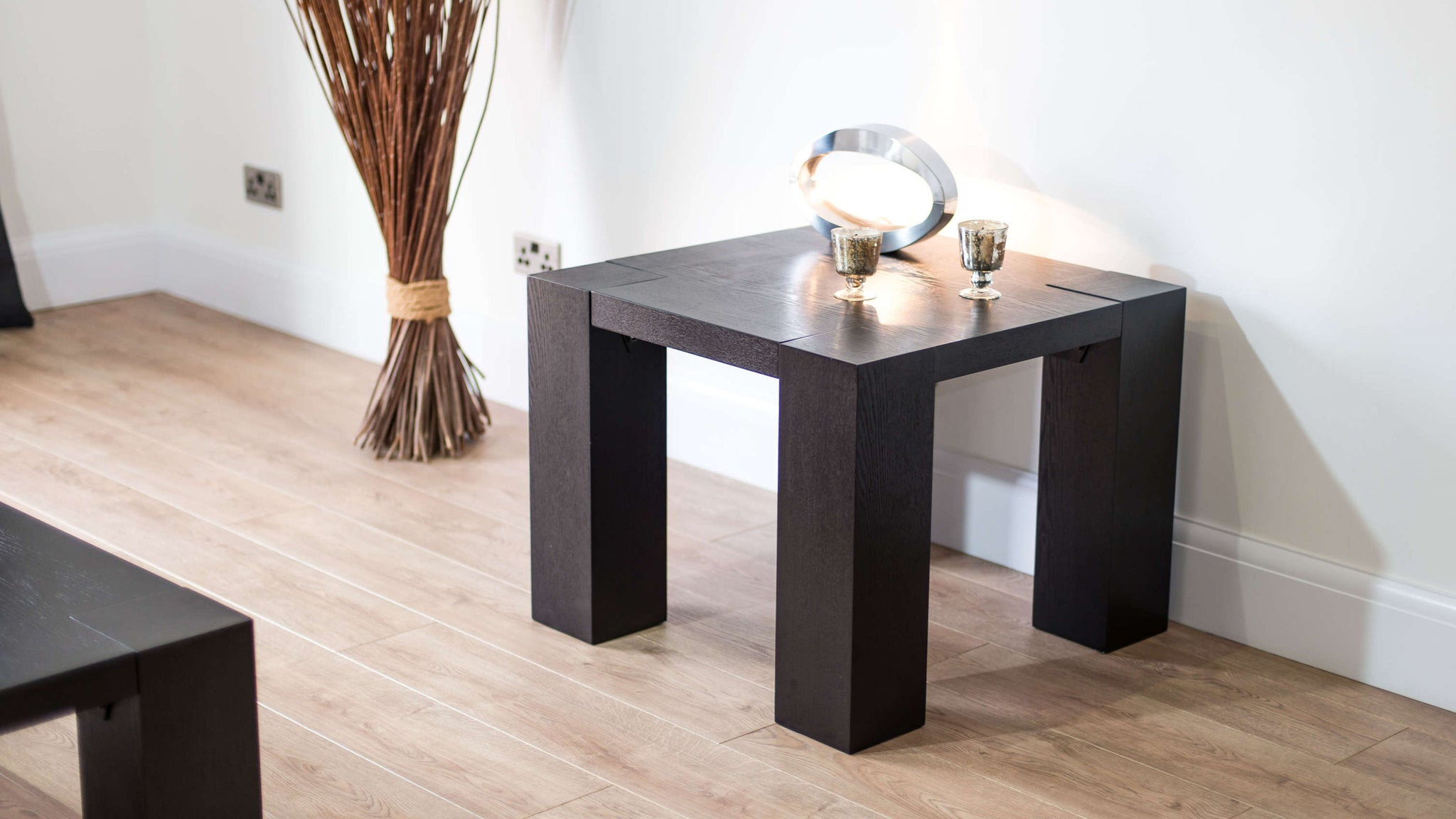 Black Lamp Table