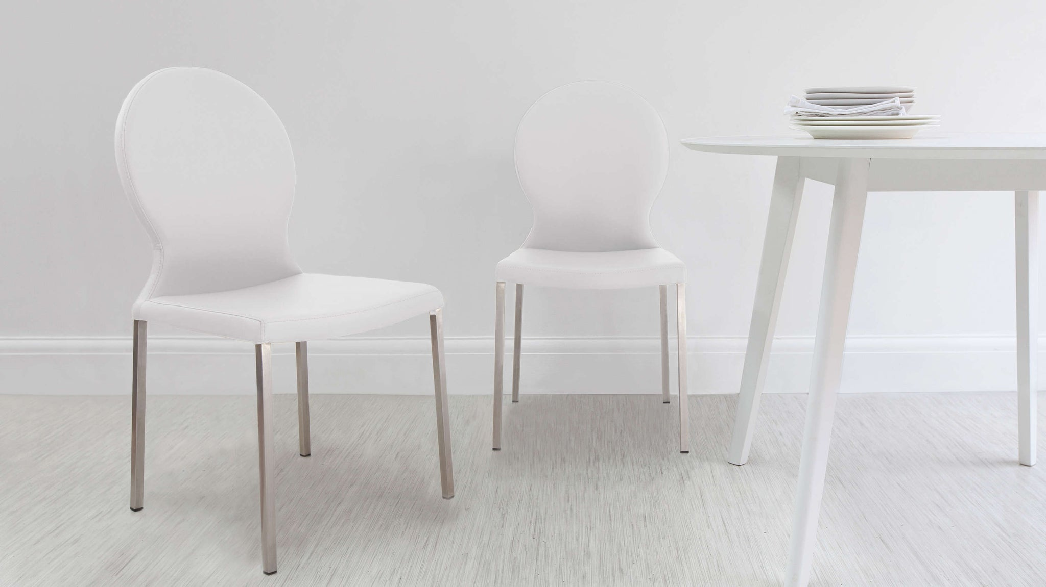 Modern and Contemporary Dining Chairs in White