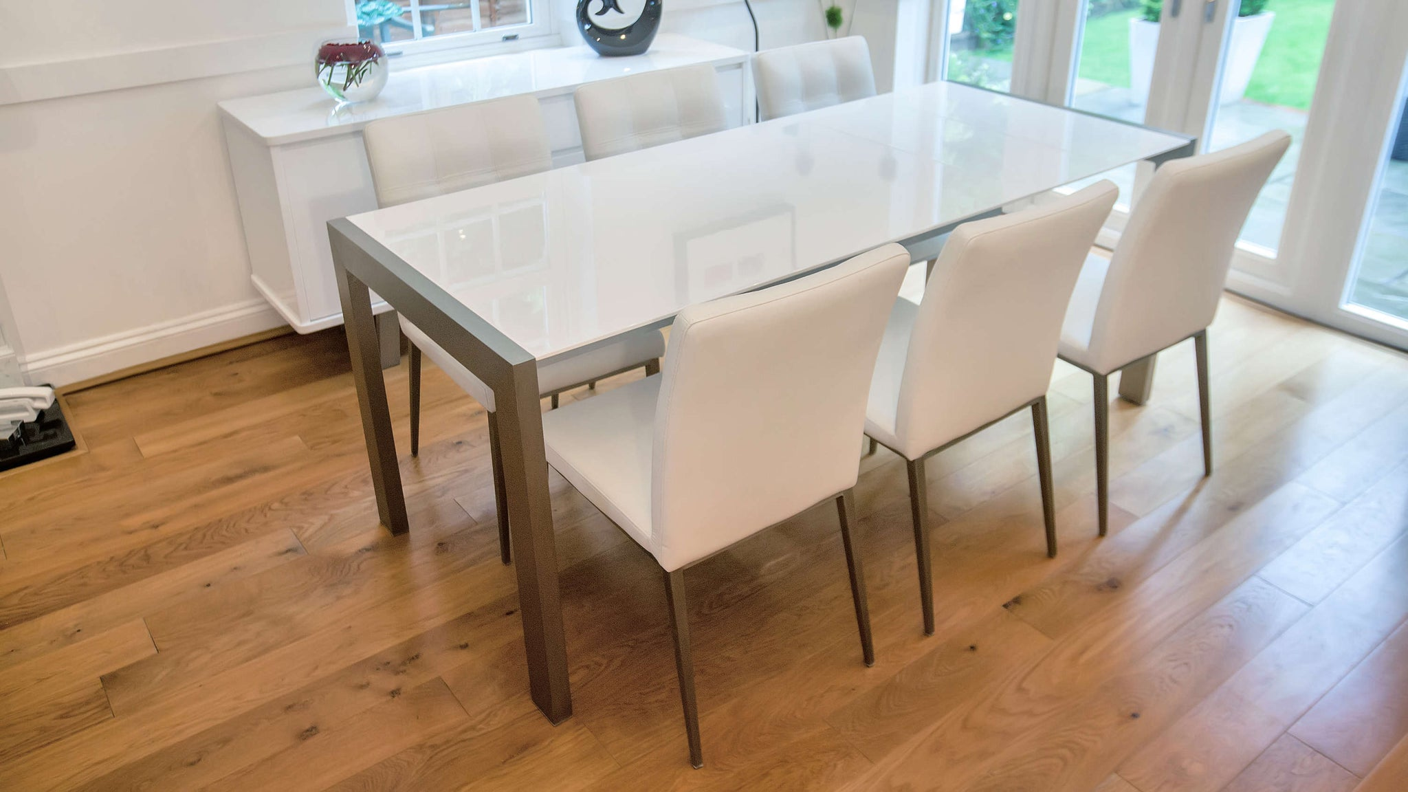 Stylish White Easy Double Extending Dining Set