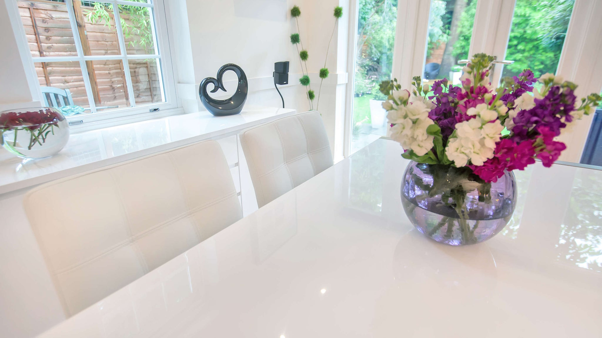 White Gloss Lacquer Extending Dining Table
