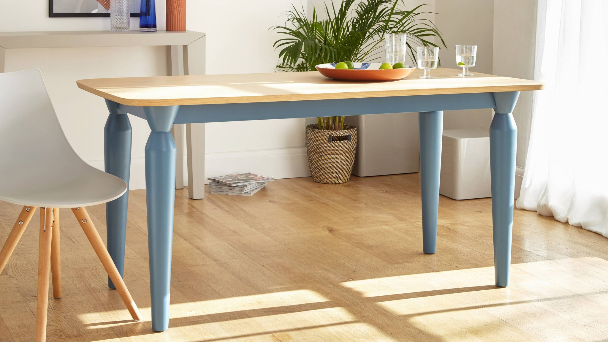 Modern 6 Seater Oak Dining Table