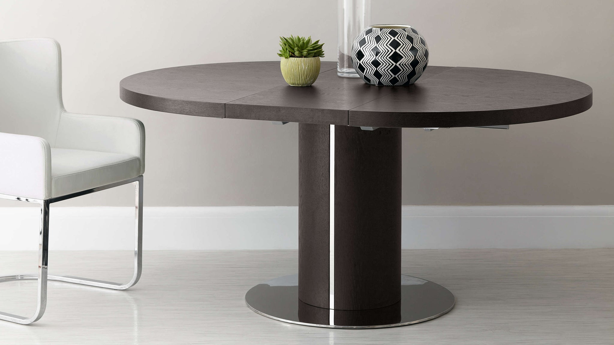 Round Wenge Wood Veneer Extending Dining Table