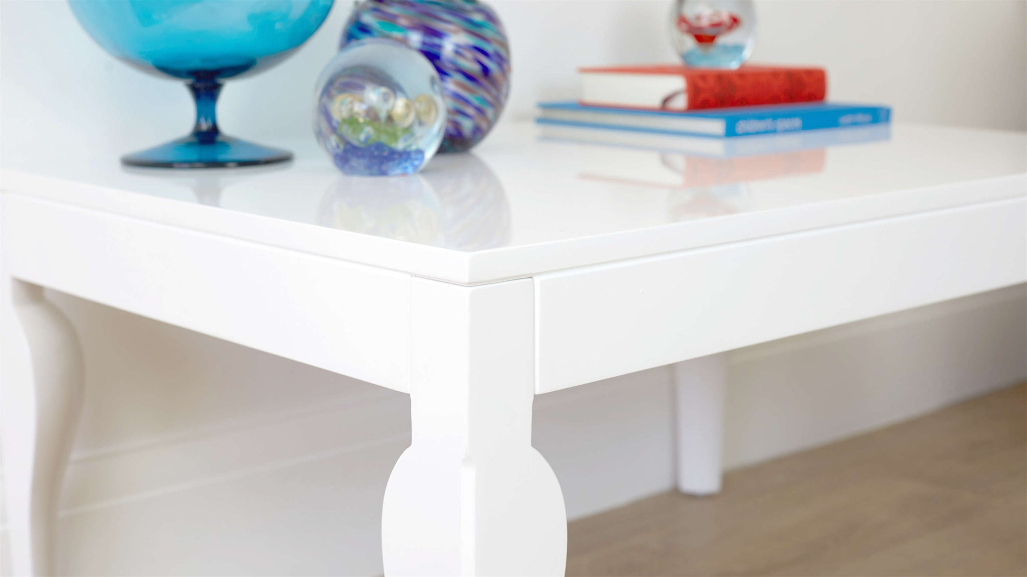 Stylish Coffee Table in White Gloss