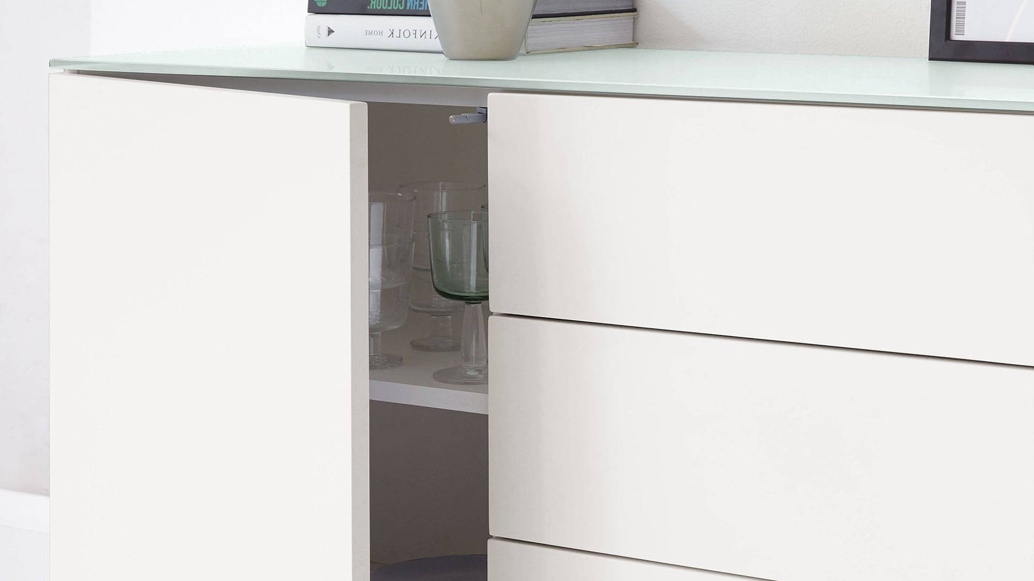 Compact sideboard with drawer