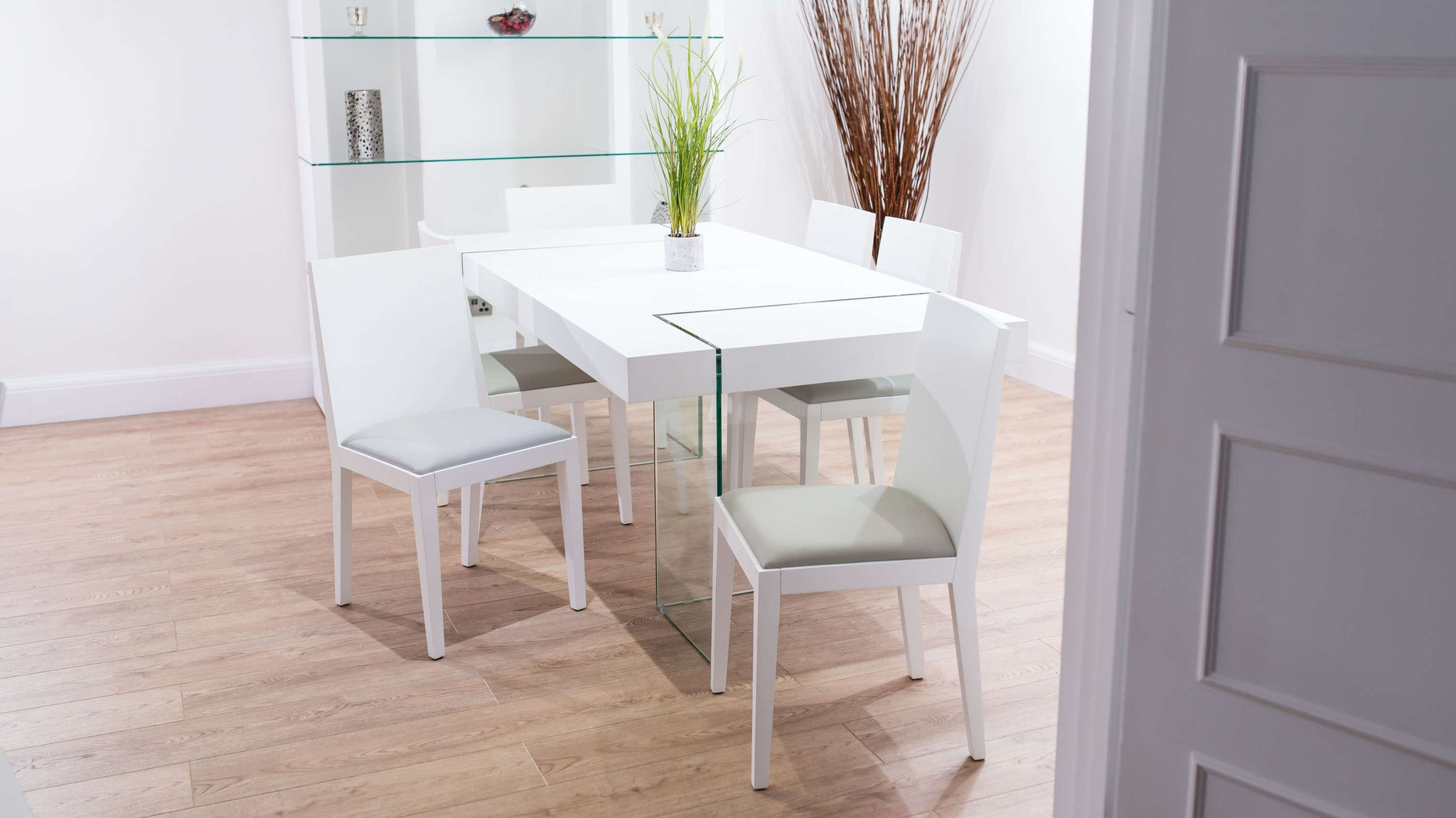 4-6 Seater White and Glass Dining Set