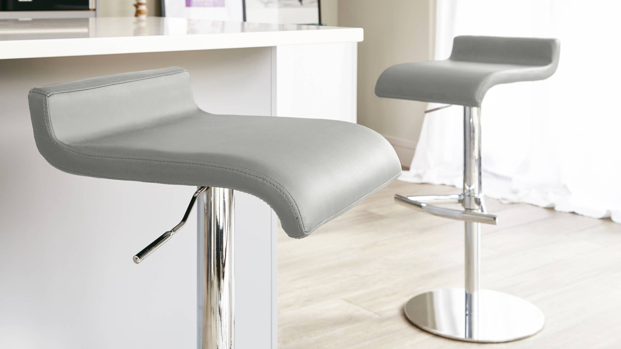 High Quality Curved Faux Leather Bar Stool Seat