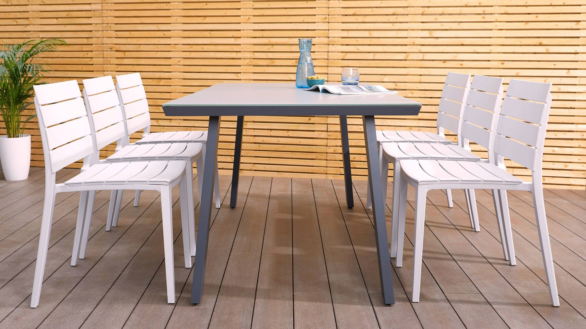 Trestle outdoor table and edie set