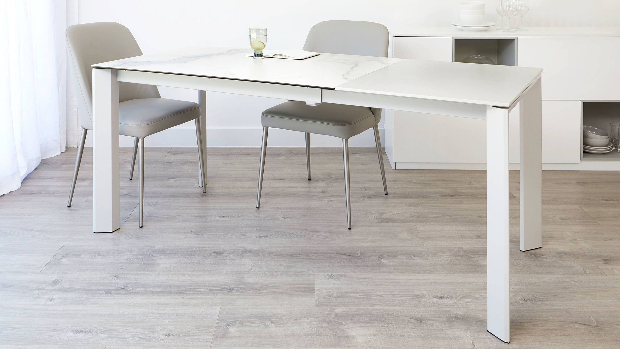 Large ceramic white and grey extending table