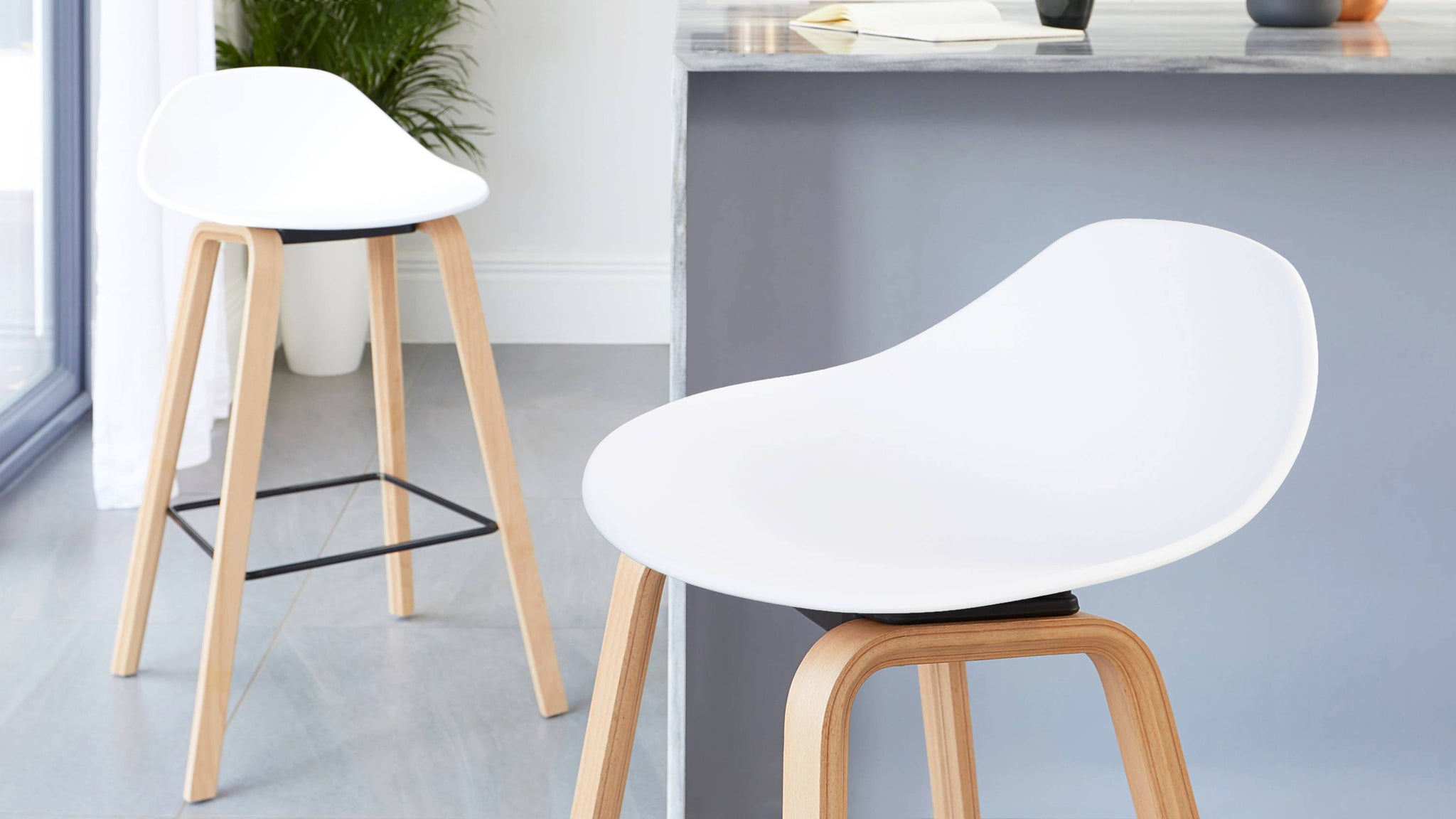 Wooden white bar stools