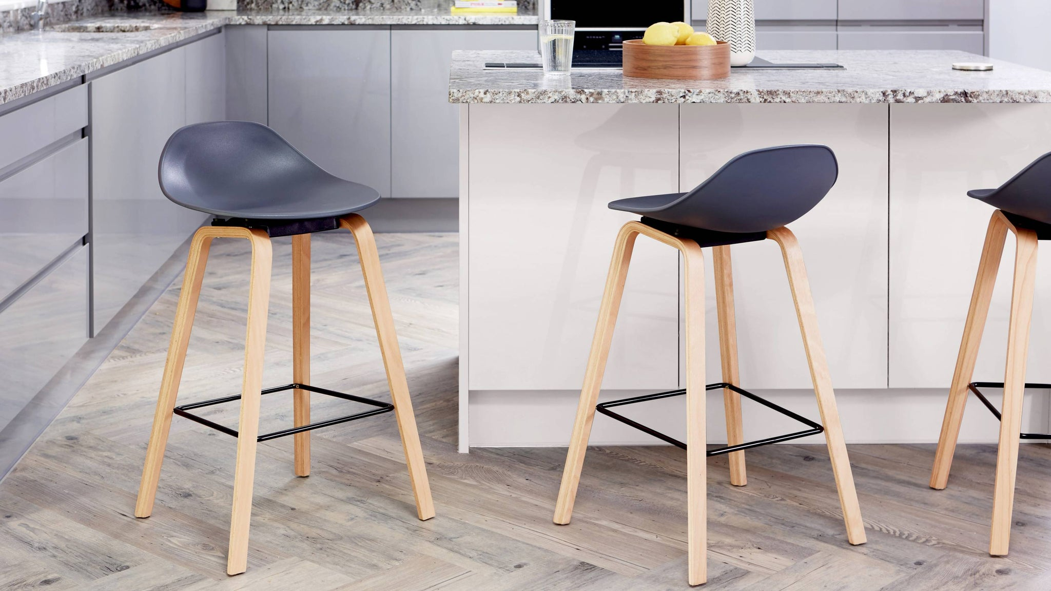 Buy wooden bar stools