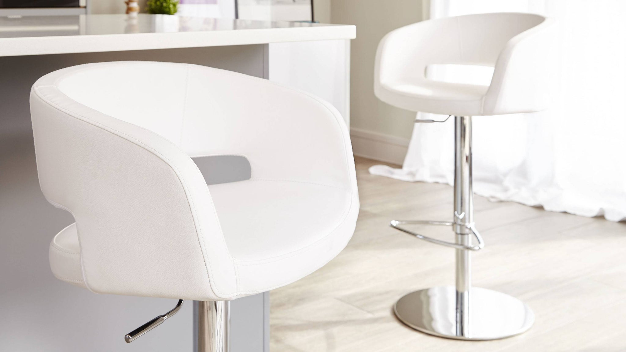 Modern Bar Stools with Adjustable Height and Back Rest