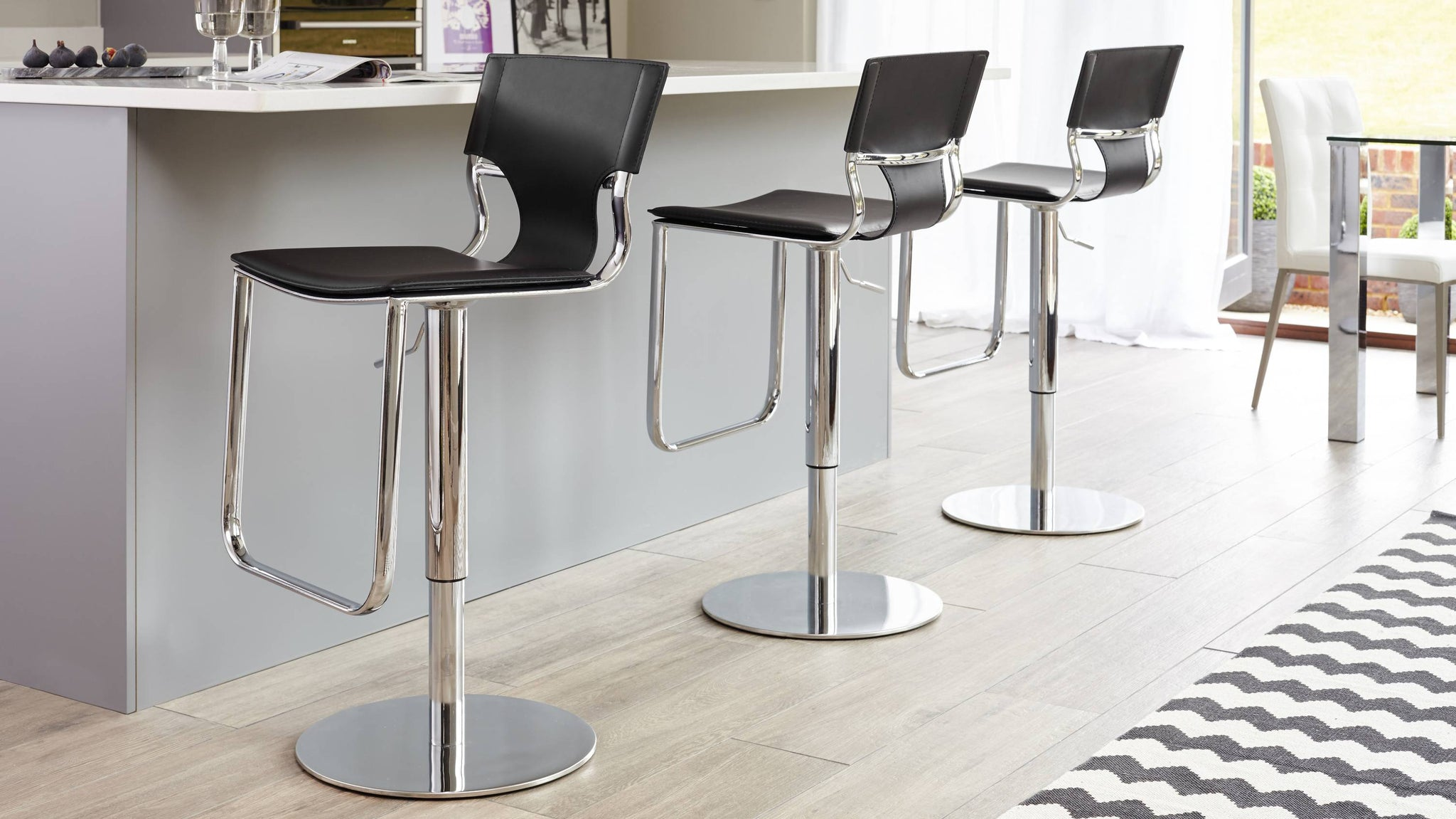 Comfortable Black Bar Stools with Back Rest
