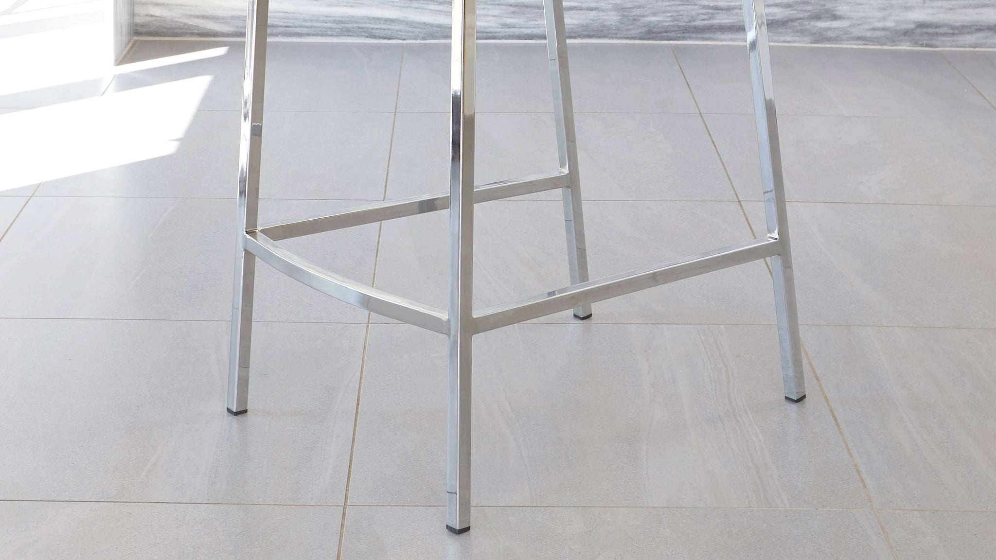 chrome legged bar stools