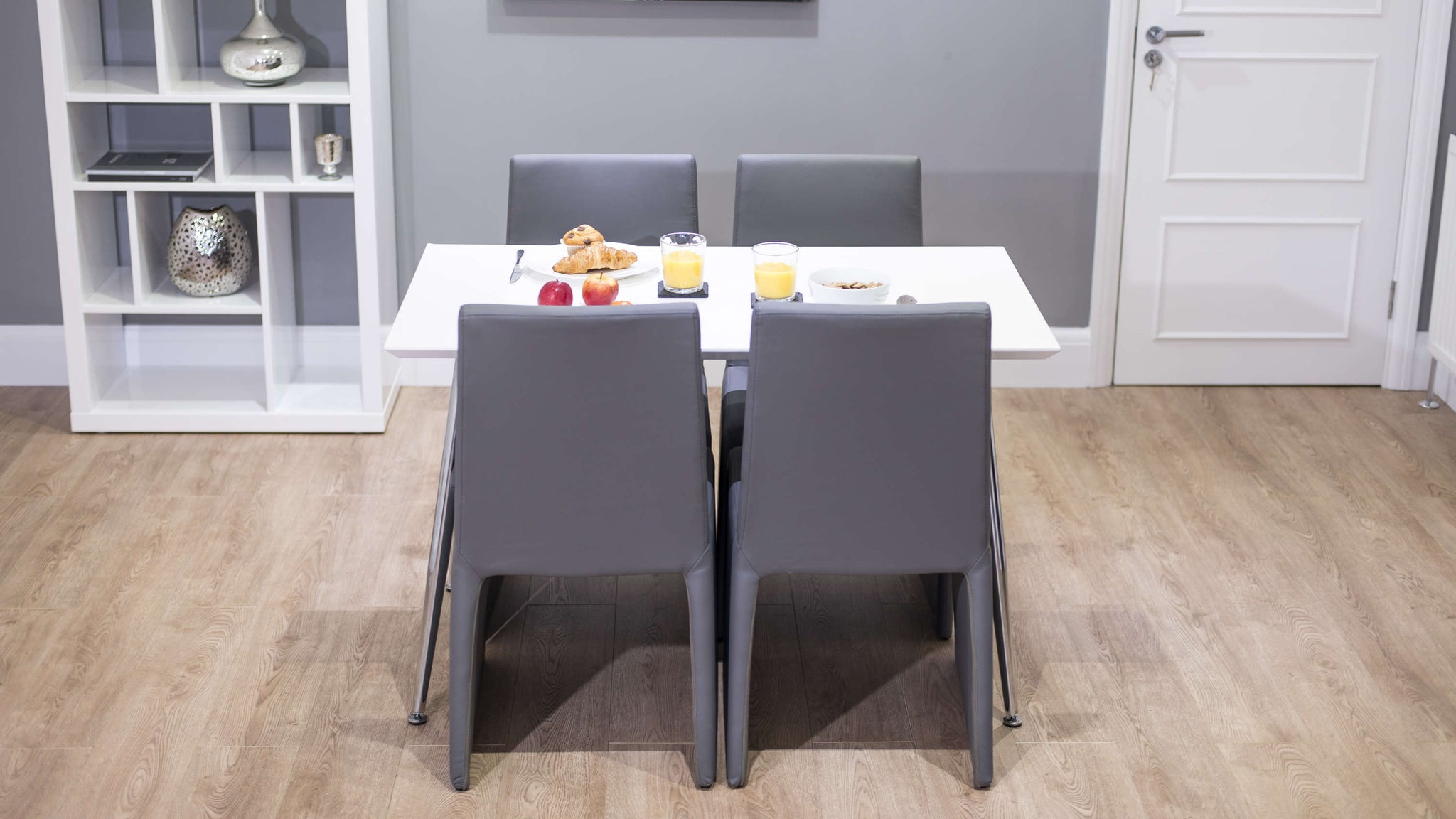 4 Seater White Gloss Dining Table and Box Style Dining Chairs