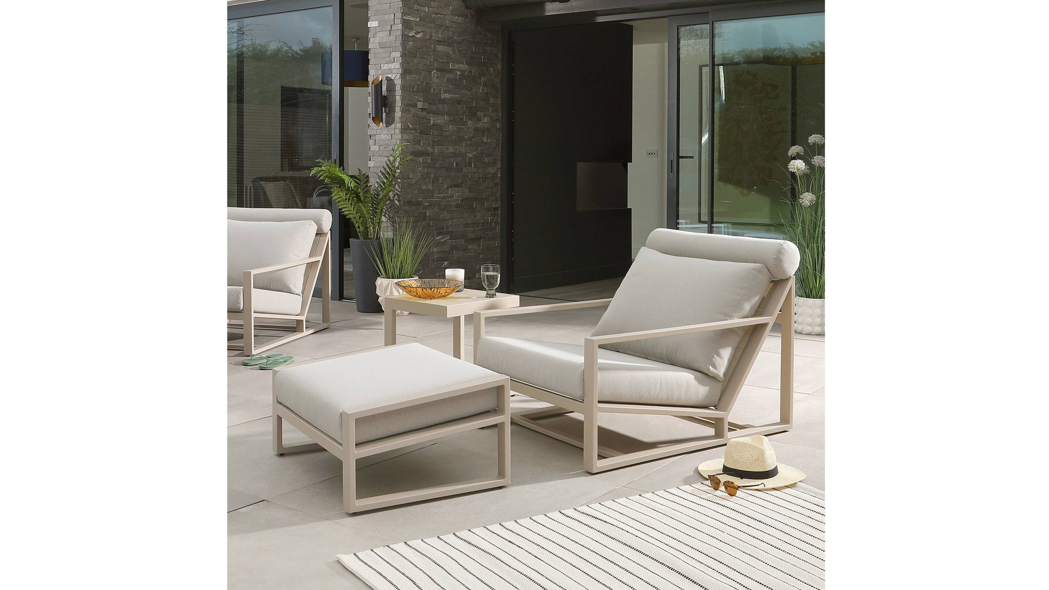 Verano Natural Garden Lounge Chair and Footstool