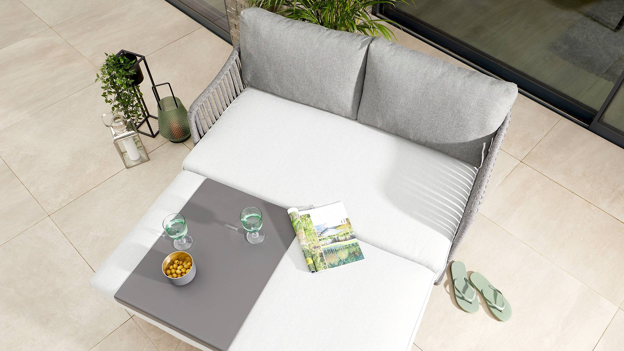 Outdoor love seat and day bed