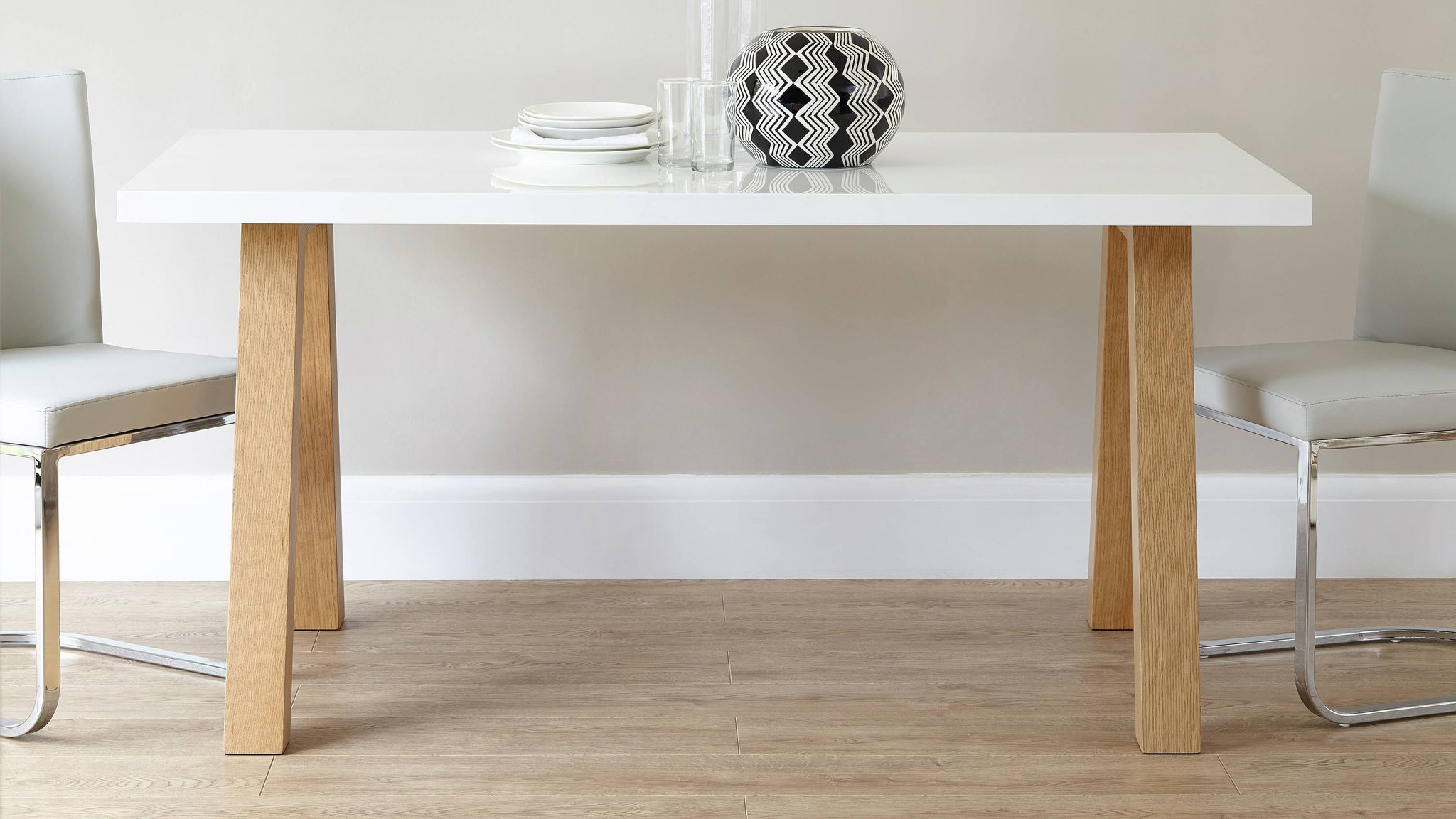 Oak and white gloss 6 seater dining table Exclusively Danetti with Julia Kendell range