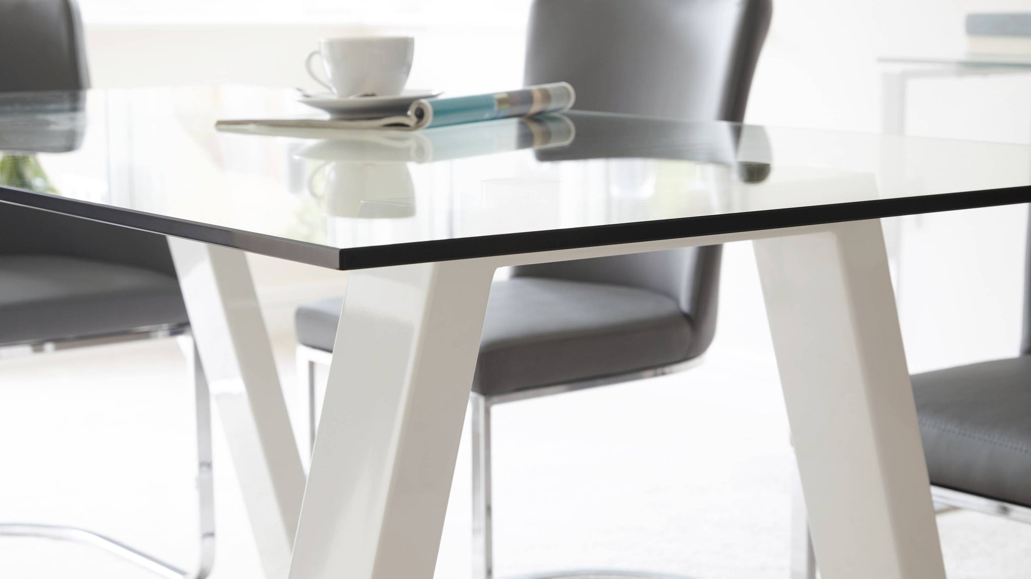 Modern 6 Seater Durable Table
