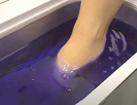 Dipping Foot Into New Road Beauty Paraffin Wax