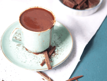 Load image into Gallery viewer, gluten free wanderfood catering cocoa powder drink in white cup