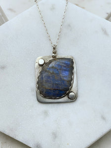 Sterling silver necklace with labradorite gemstone