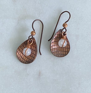 Copper earrings with moonstone