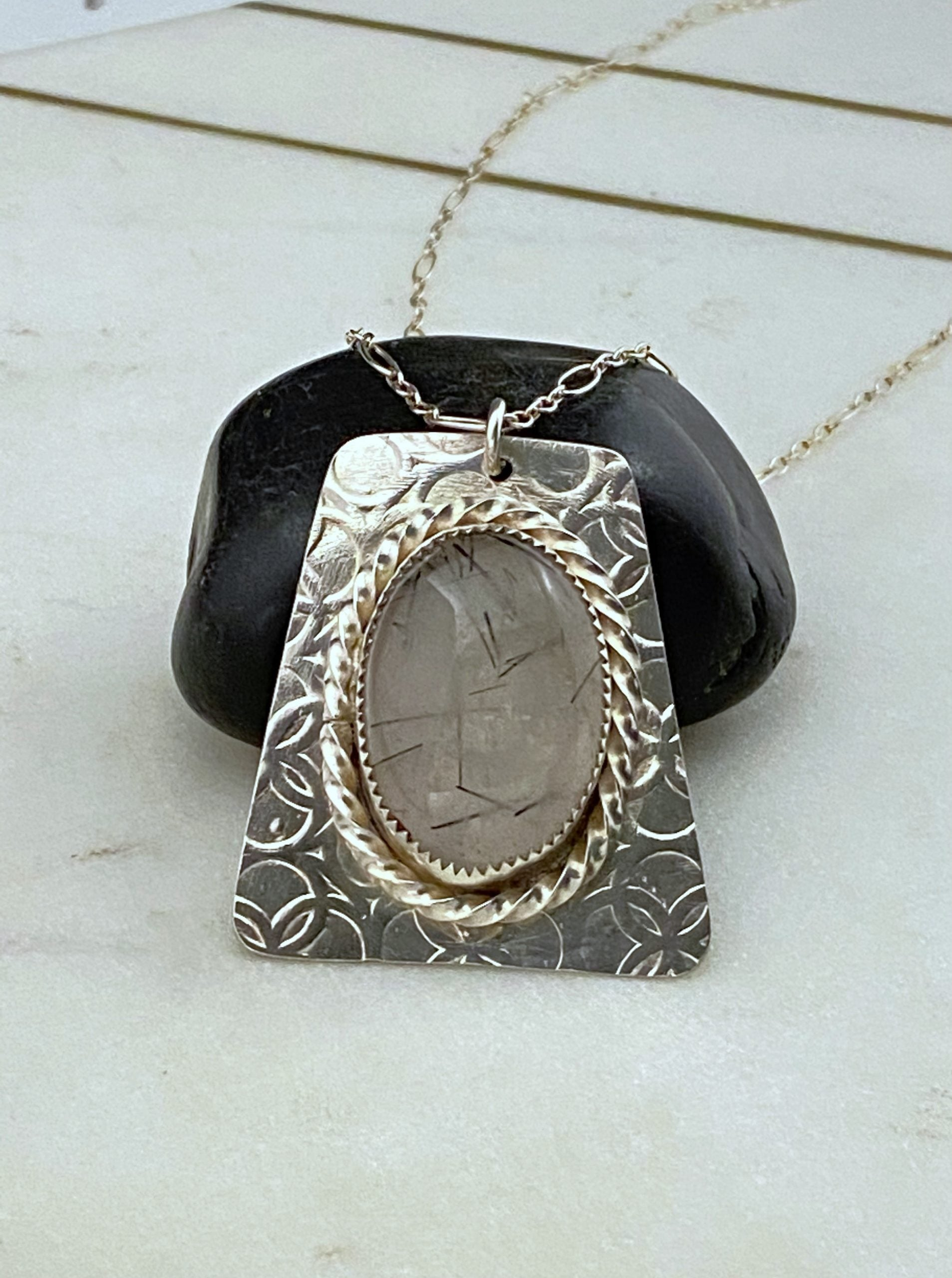 Sterling silver and rutilated quartz stone set necklace