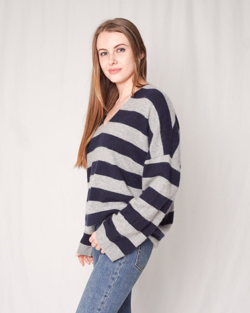 Vince Cashmere Stripe V-Neck Sweater (Size L)