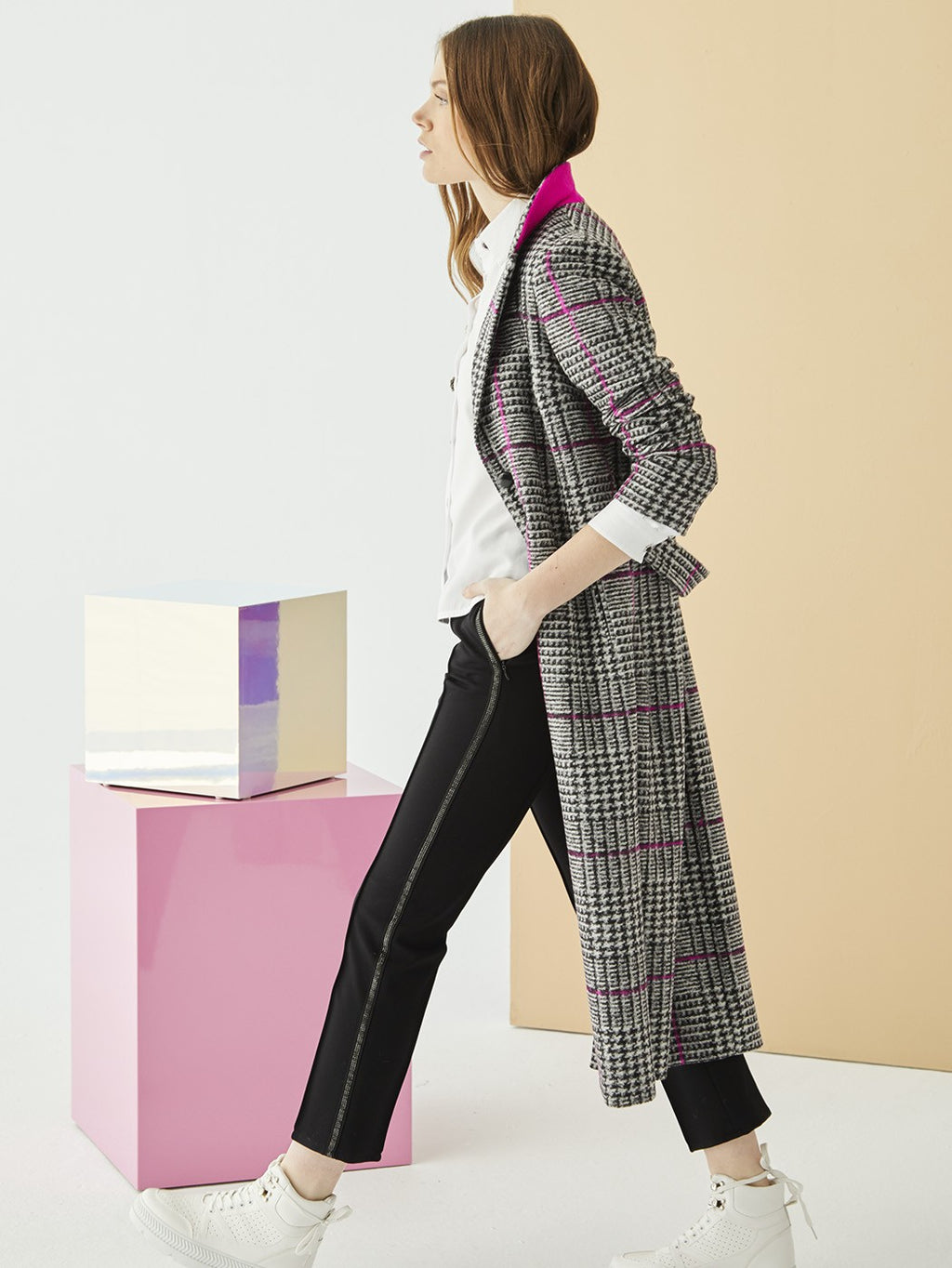 Vilagallo ALEXANDRA Check Coat Black & White Pink Kitone.
