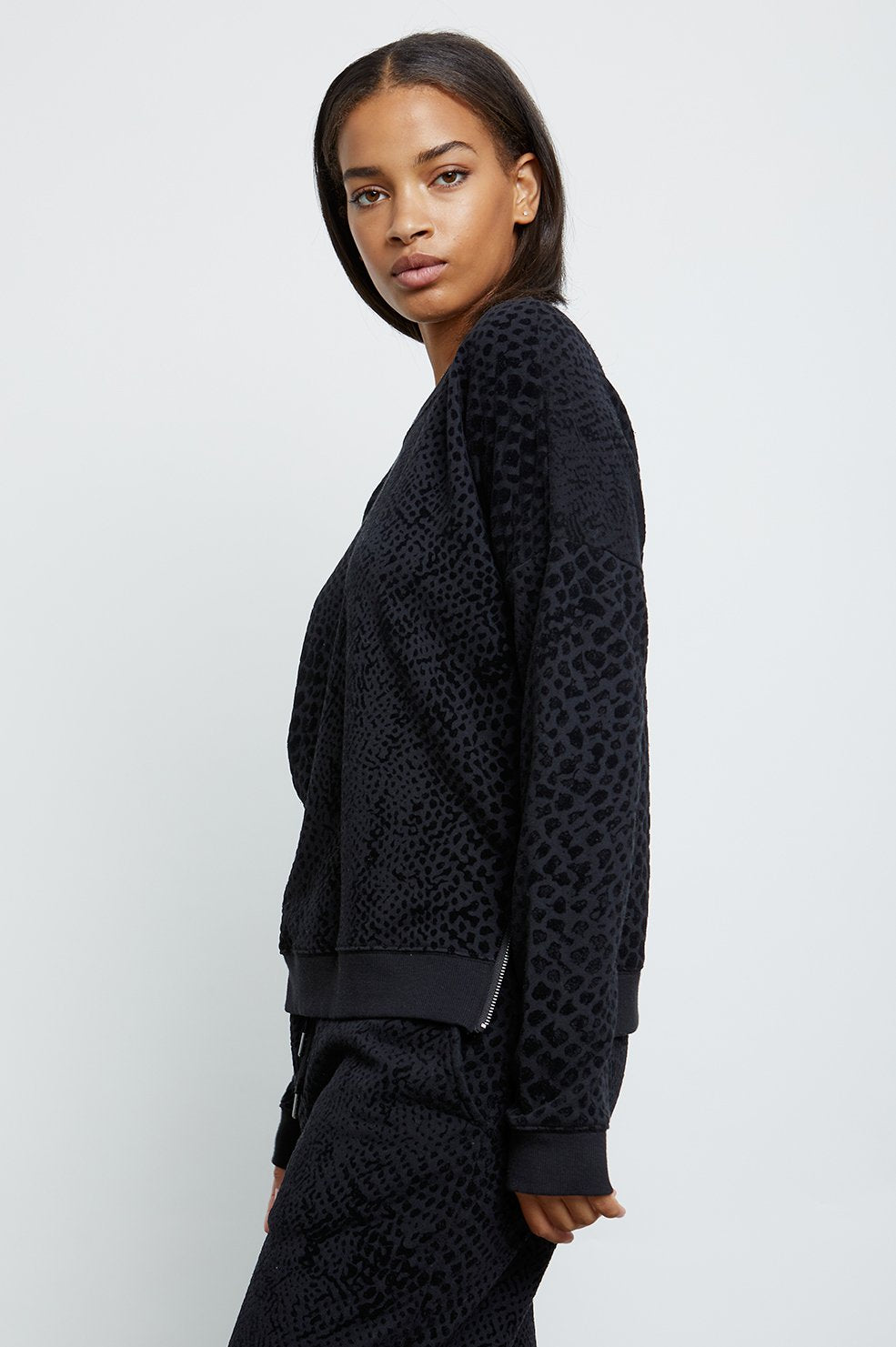 Rails MARLO Flocked Cobra Sweatshirt Black