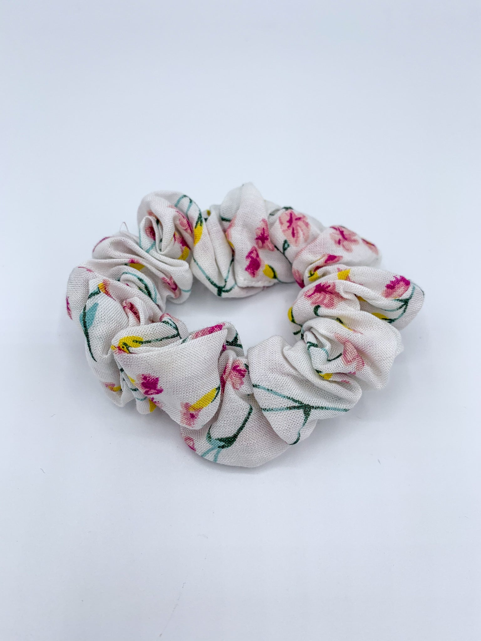 Ditsy Floral Scrunchie - White